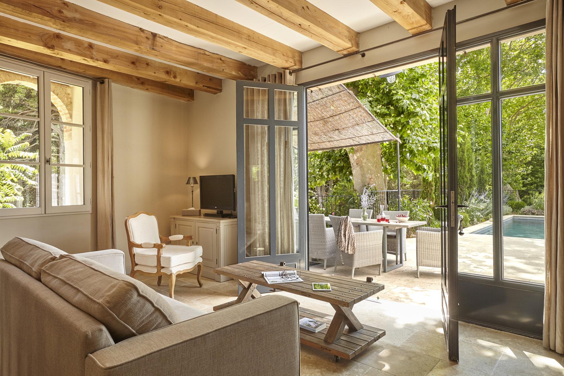 Maison de 3 chambres et 3 salles de bain avec piscine privé sur domaine viticole de luxe