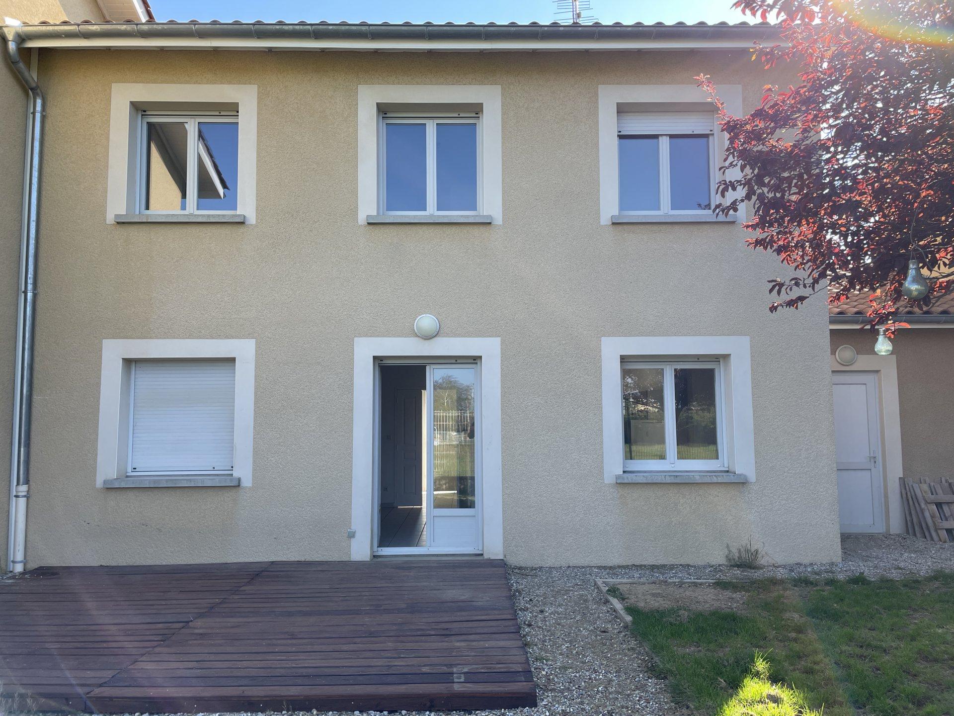 Sale House - La Côte-Saint-André
