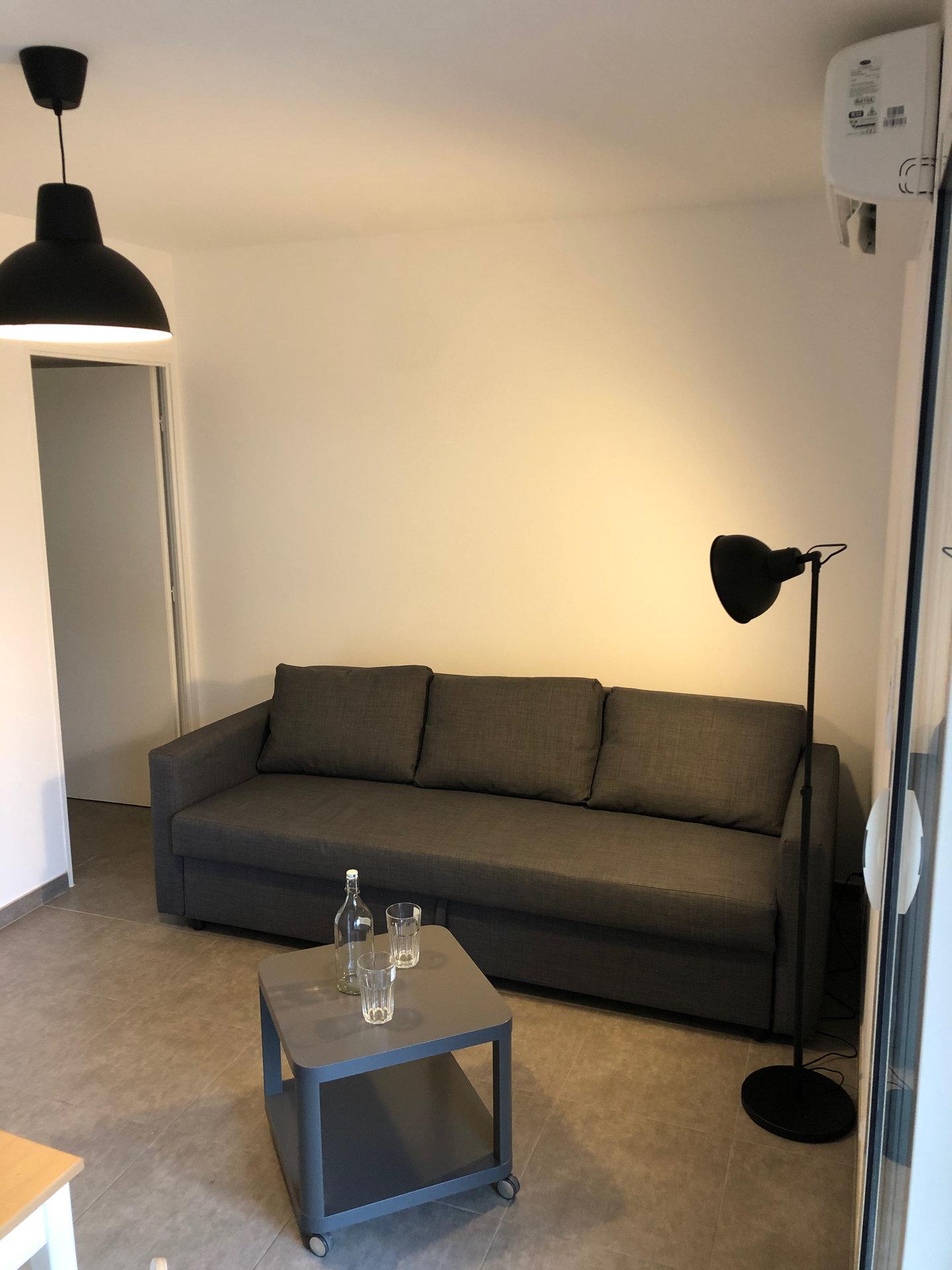Studio meublé refait à neuf