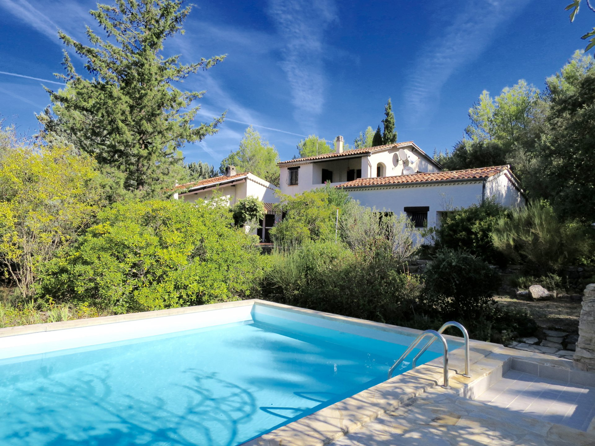 Mainhouse with 4 seperate gites with pool on a 12000m2 plot in a very quiet and countryside environm