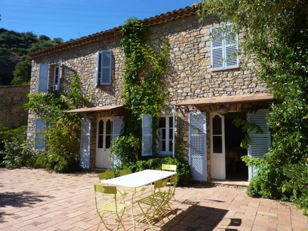 Charming and rare stone property with guest house