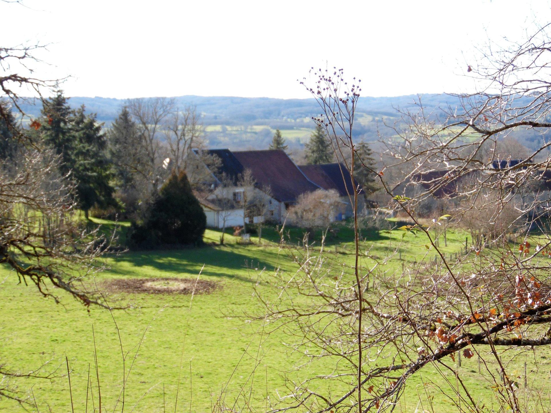 Belle maison avec dépendances et terrain 1,5ha dans la Creuse