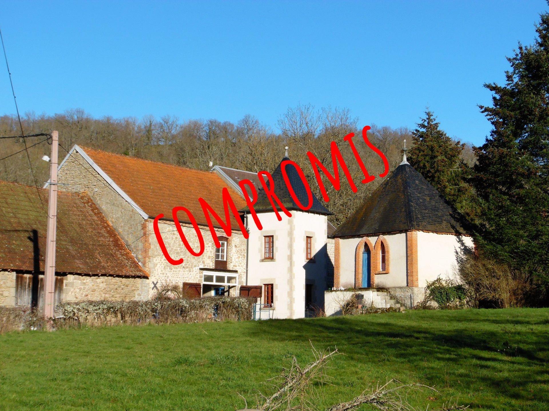 Prachtige woning met bijgebouwen en 1,5 ha grond in de Creuse