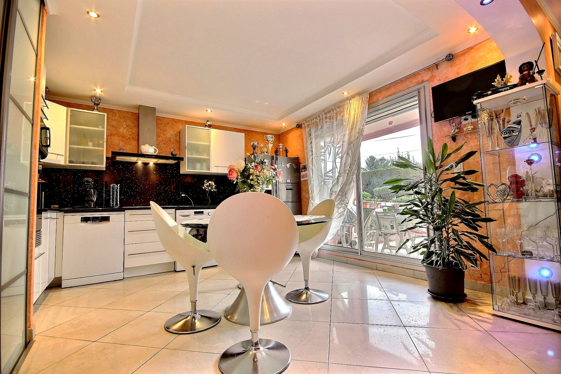 Apartment for sale in Antibes - residence with swimming pool