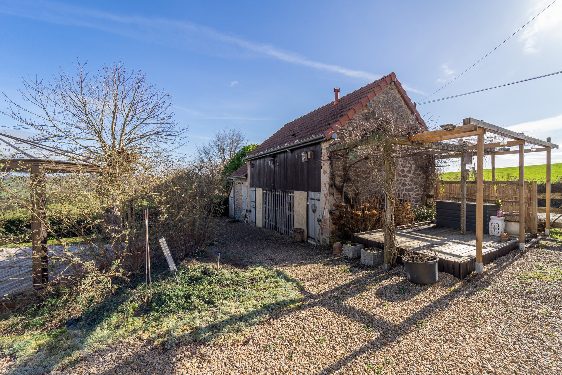 Charming detached stone house for sale in Burgundy