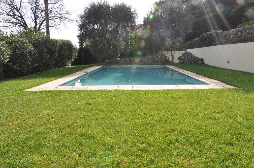 Lovely villa with panoramic views close to Mougins village
