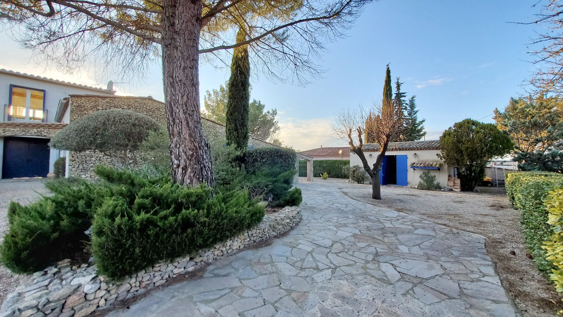 Detached stone house with big garden and pool