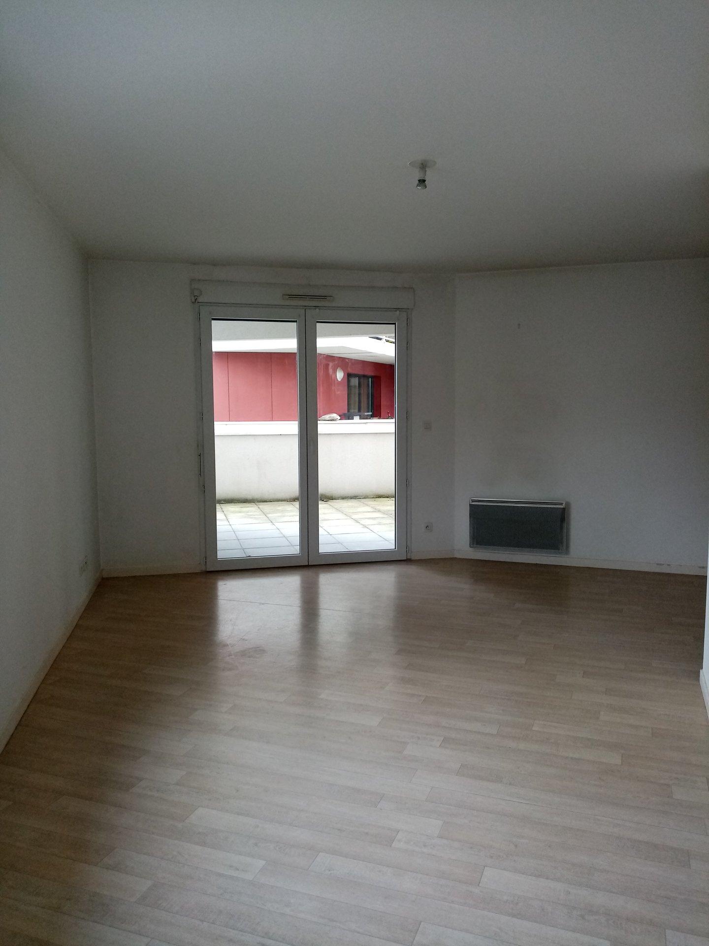T2 avec terrasse, cave et parking - LE PETIT-QUEVILLY