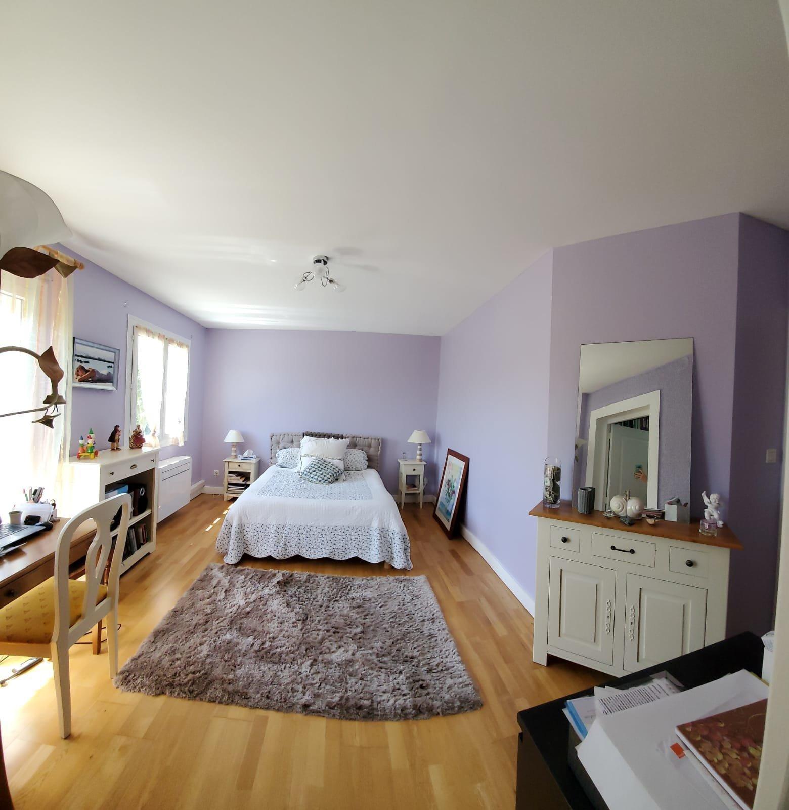 COUR ET BUIS - VILLA T6 de 180 m² avec terrain de 1357 m²