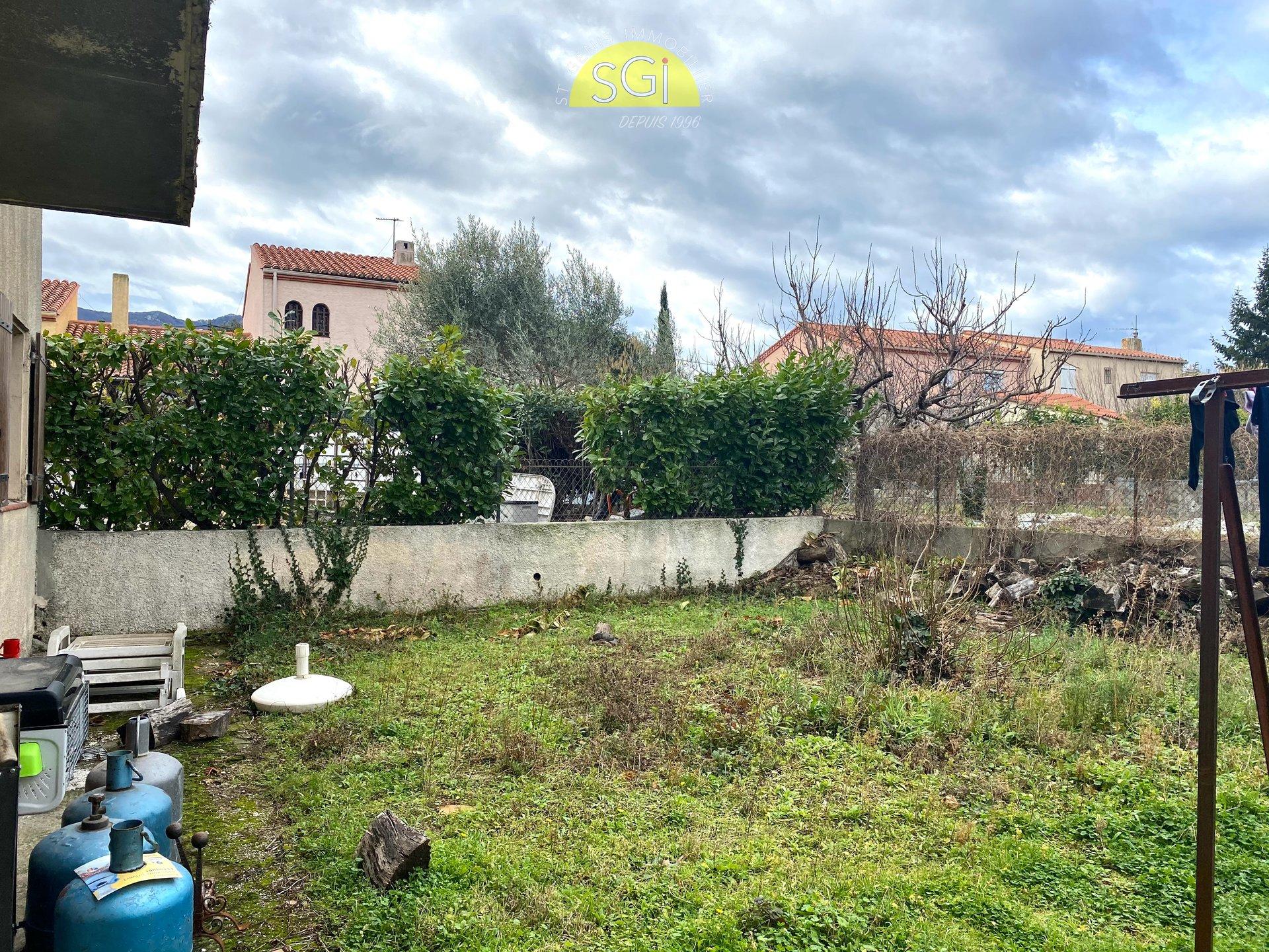 Villa 2 faces proche du centre du village