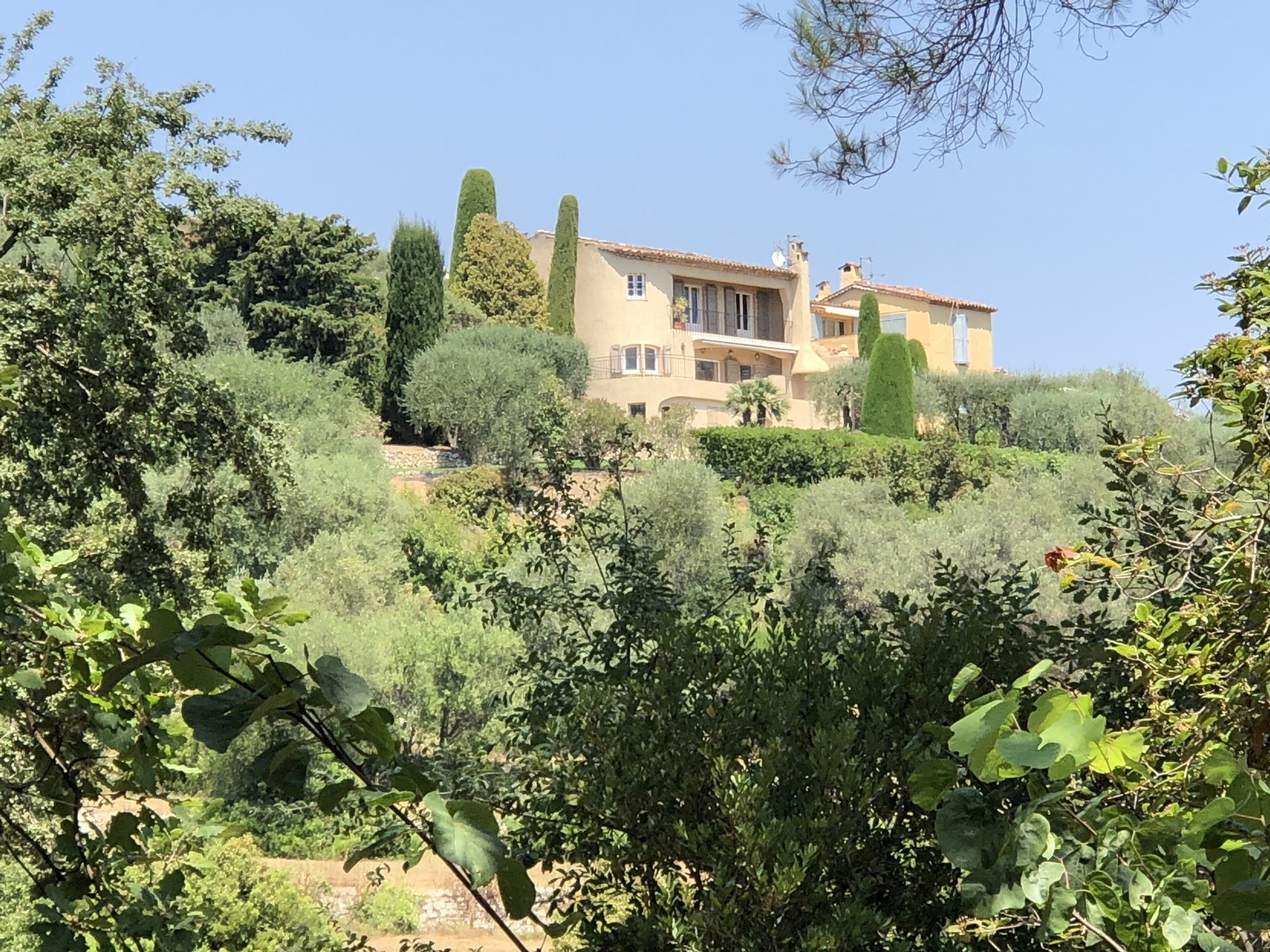 UNE ADRESSE EXCLUSIVE SUR LA FRENCH RIVIERA