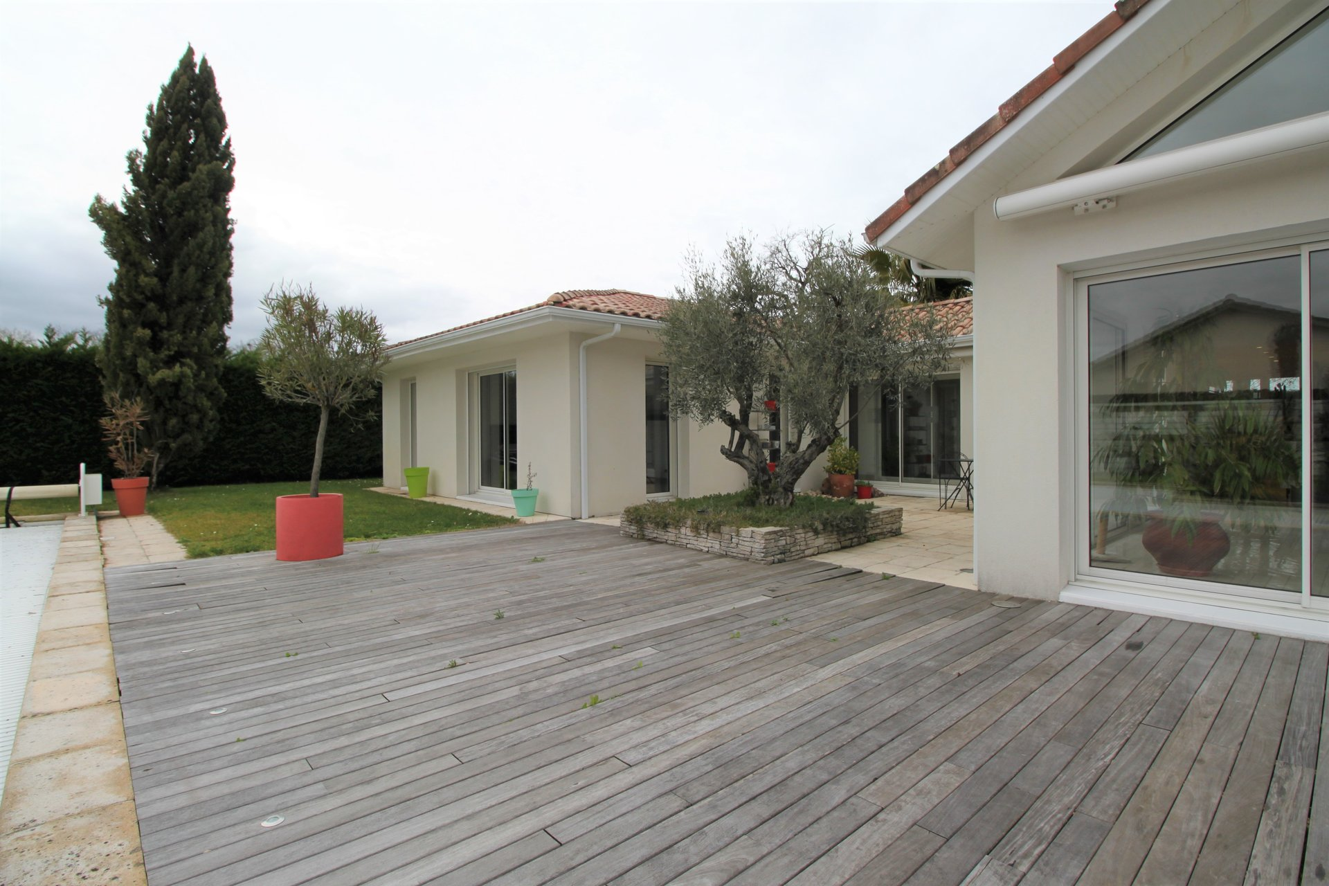 Maison d'architecte - grand jardin arboré