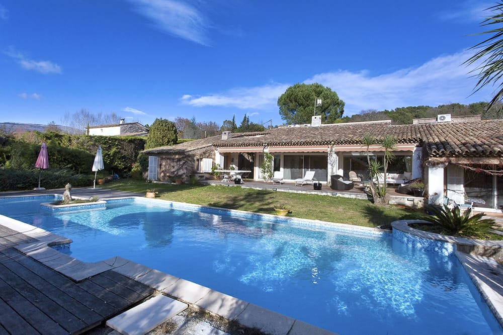 TO SALE : property on the hills of VALBONNE