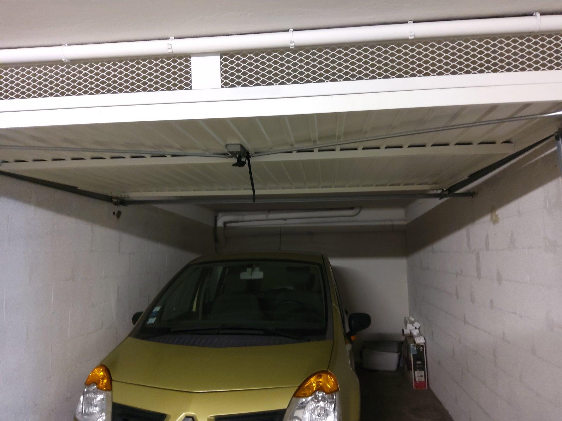 T3 TRAVERSANT FREJUS-PLAGE AVEC GARAGE ET CAVE