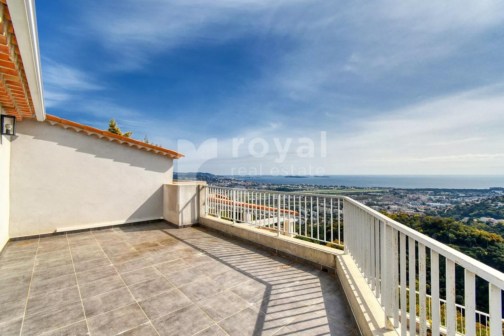 Close to Cannes - Modern villa with panoramic sea view