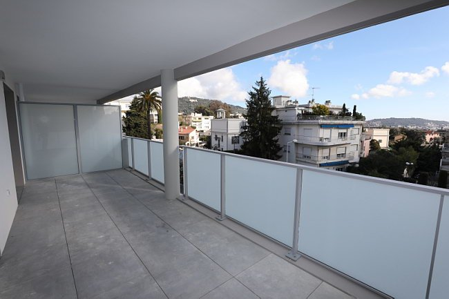 Beau T4 avec terrasse et parking double - Cimiez