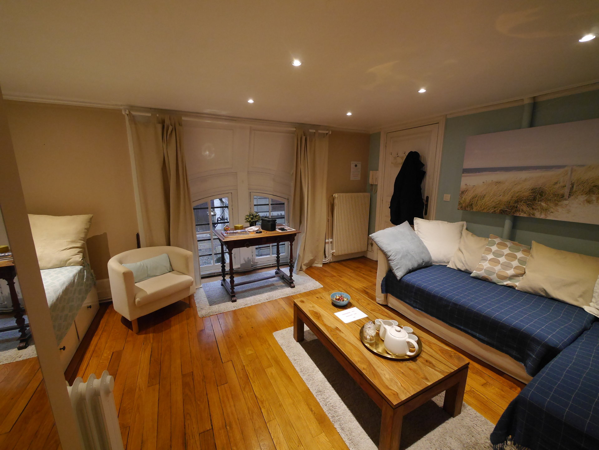 T2 meublé de 38 m² dans bel immeuble sur quai de Saône
