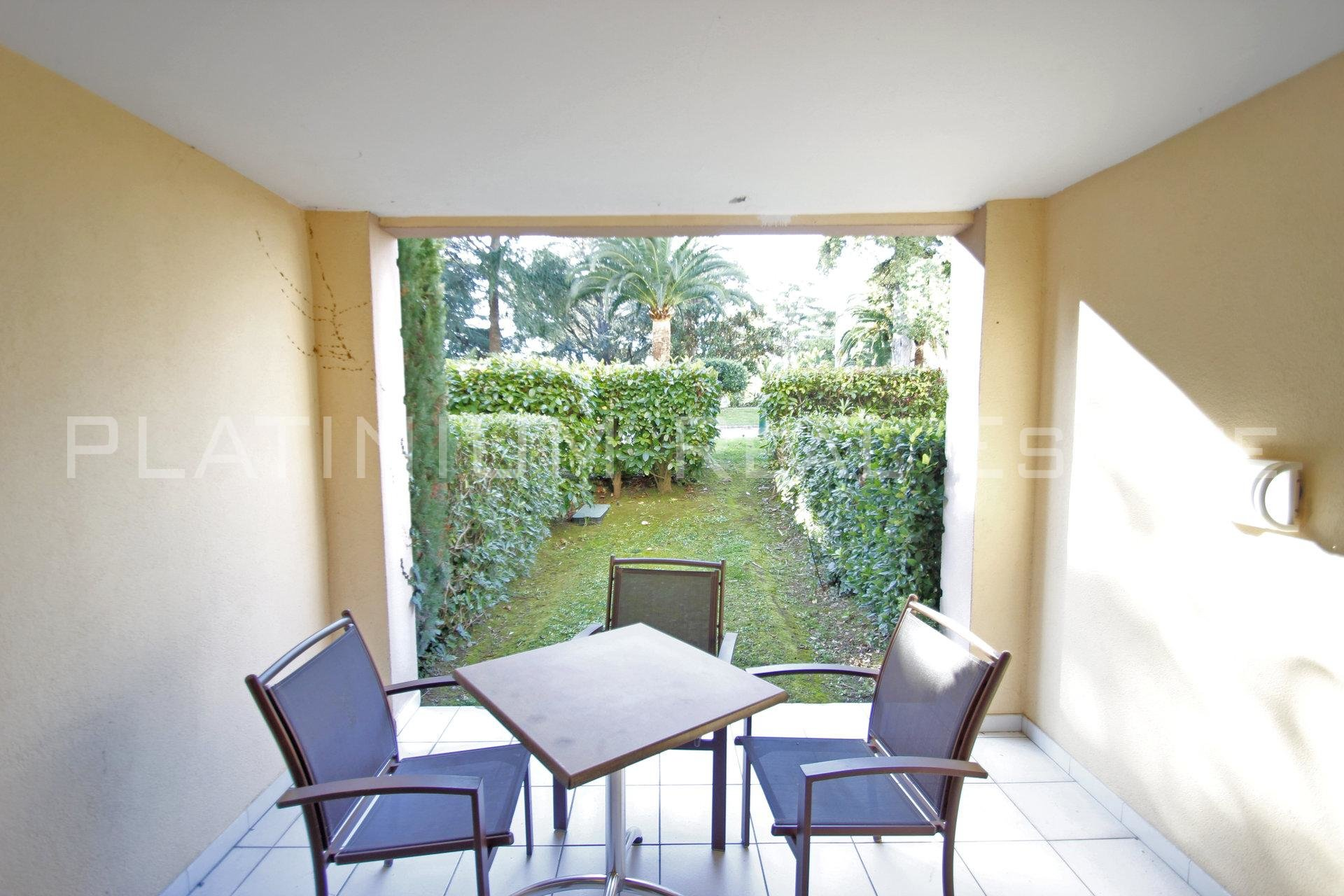 "CANNES ""CROIX DES GARDES"" - STUDIO 28M² 