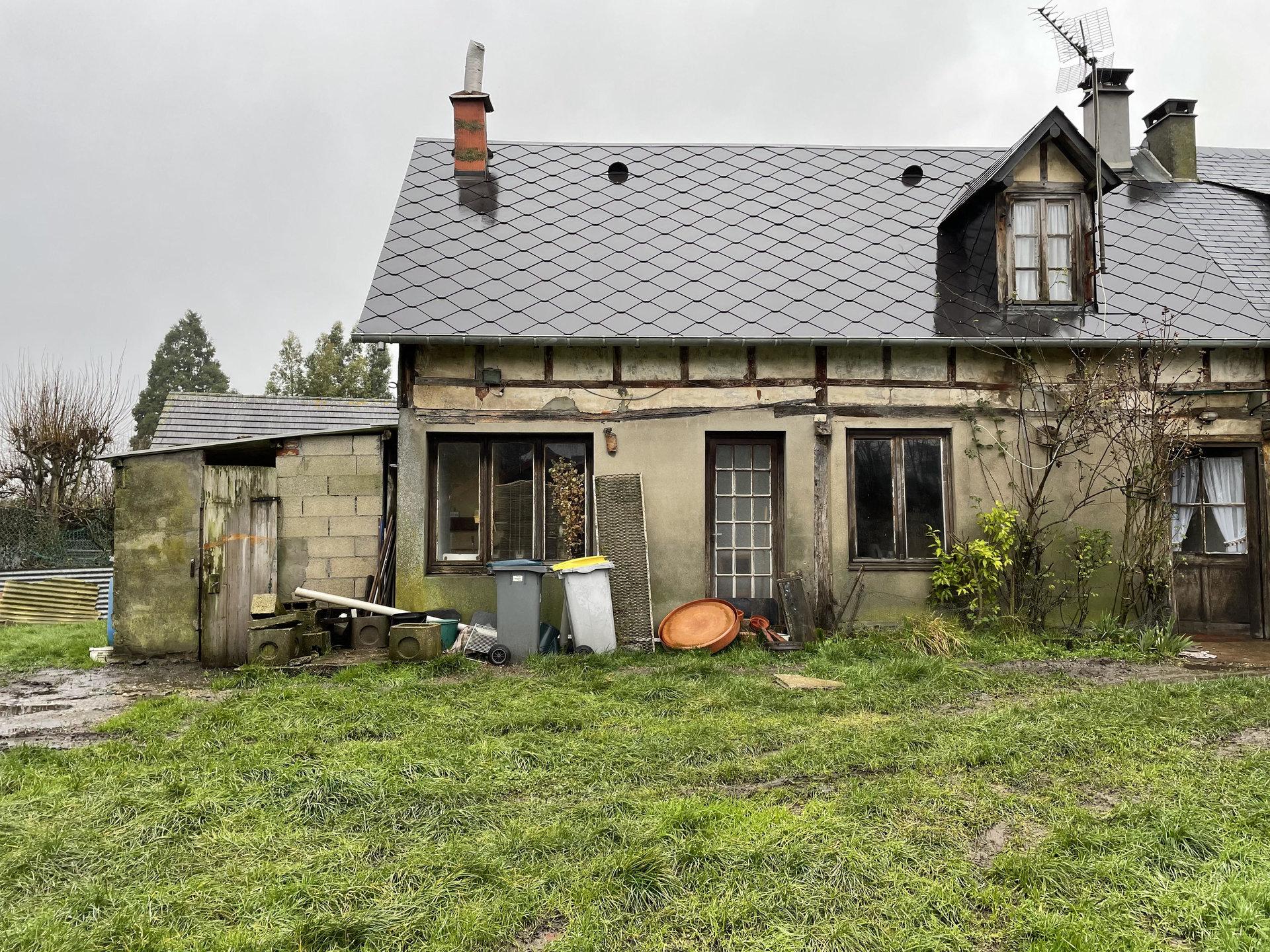 Maison à rénover au coeur d'Houppeville