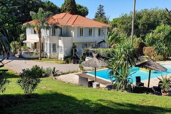 Продажа Дом - Кап д'Антиб (Cap d'Antibes)