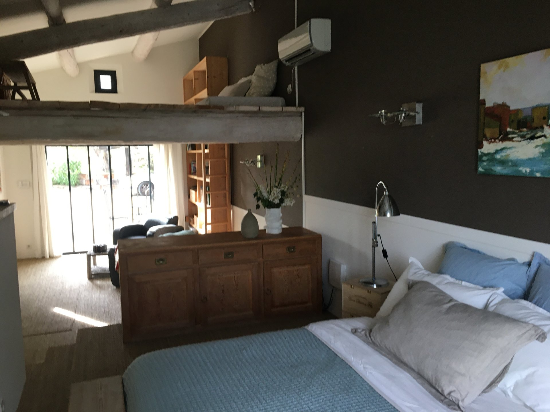 Authentic 6 rooms villa La Mole