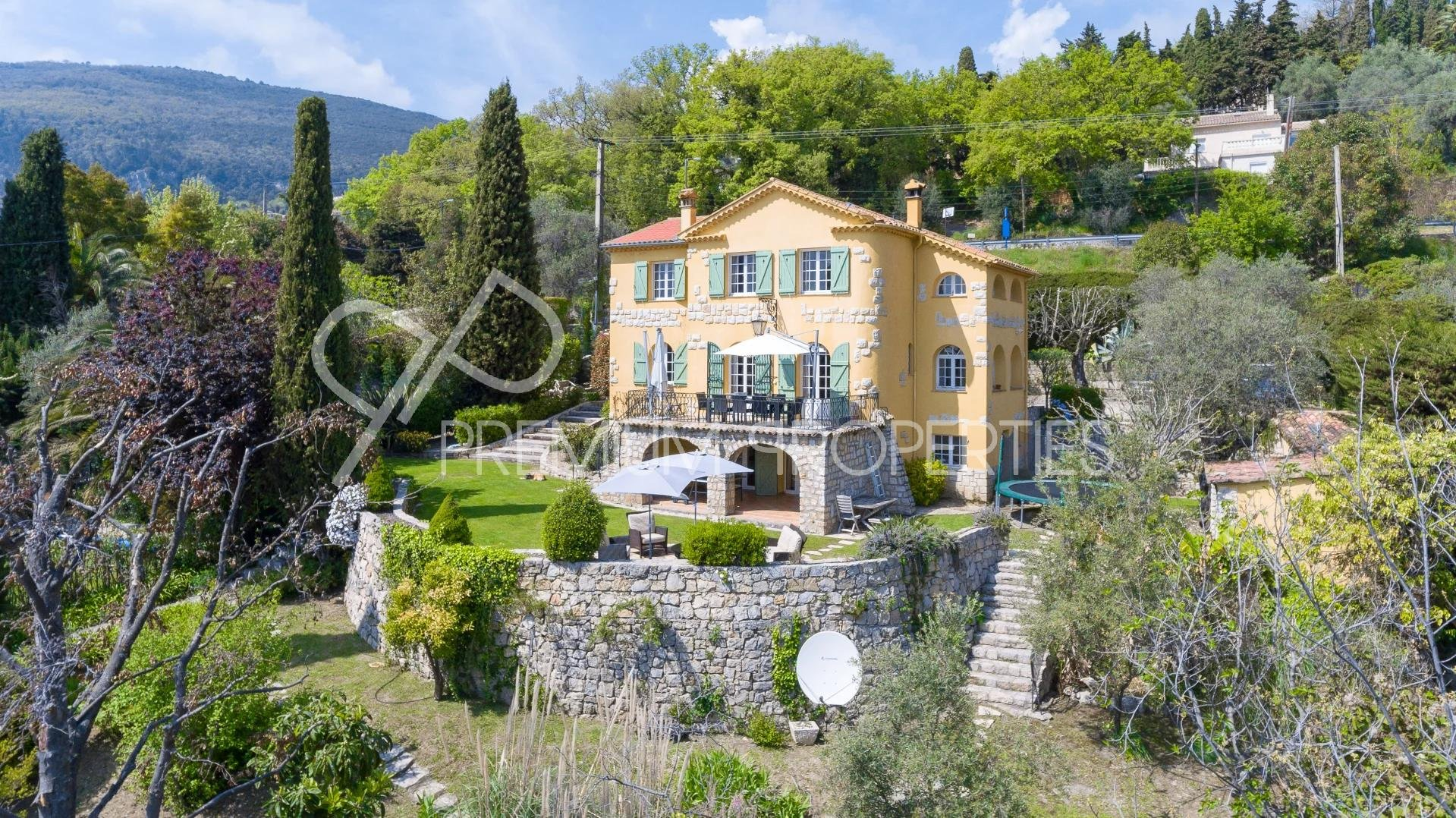 MAGAGNOSC - CO- EXCLUSIVITY - MANSION WITH PANORAMIC VIEW