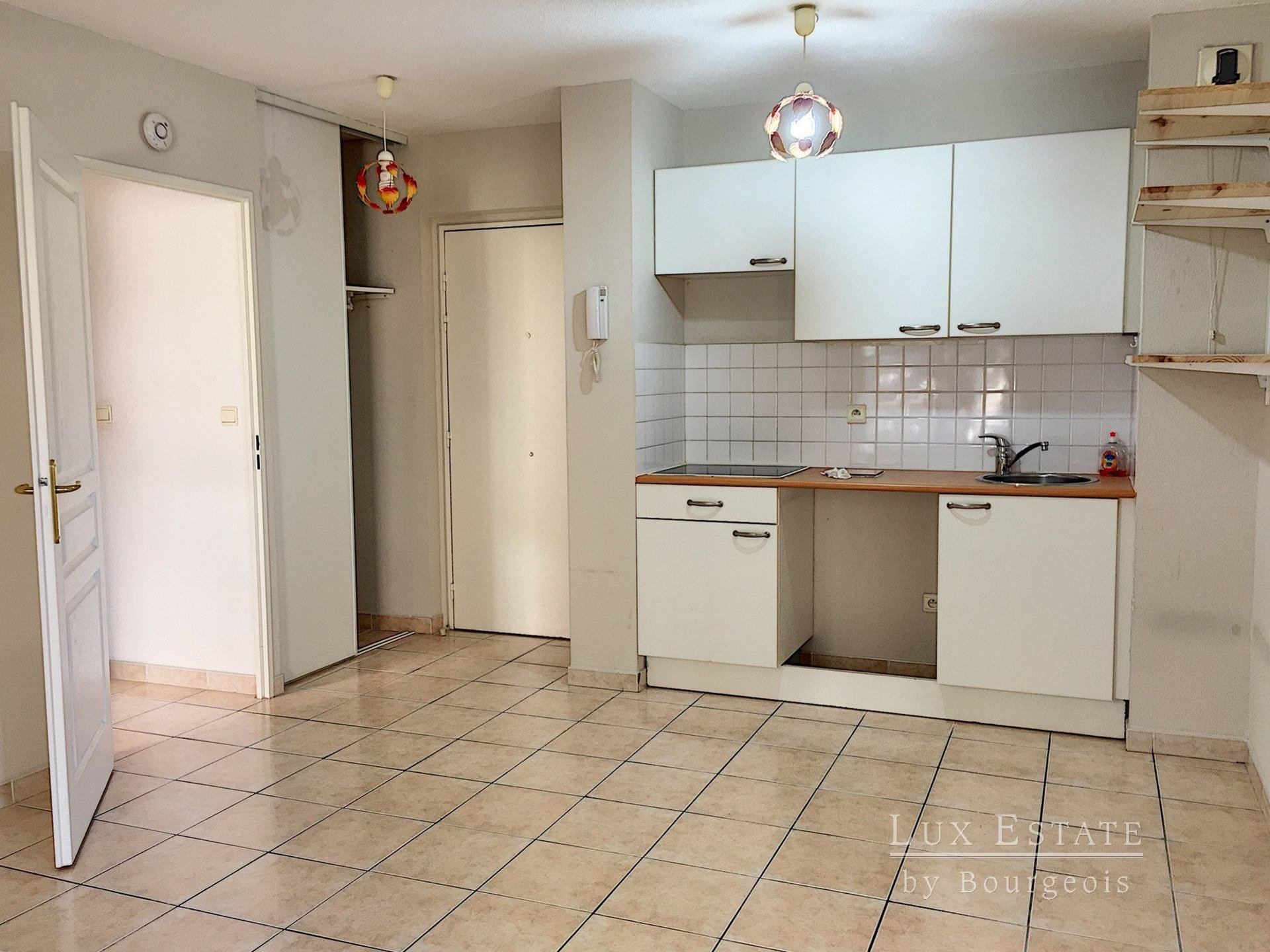 2-rooms flat with garage Mougins Le Haut