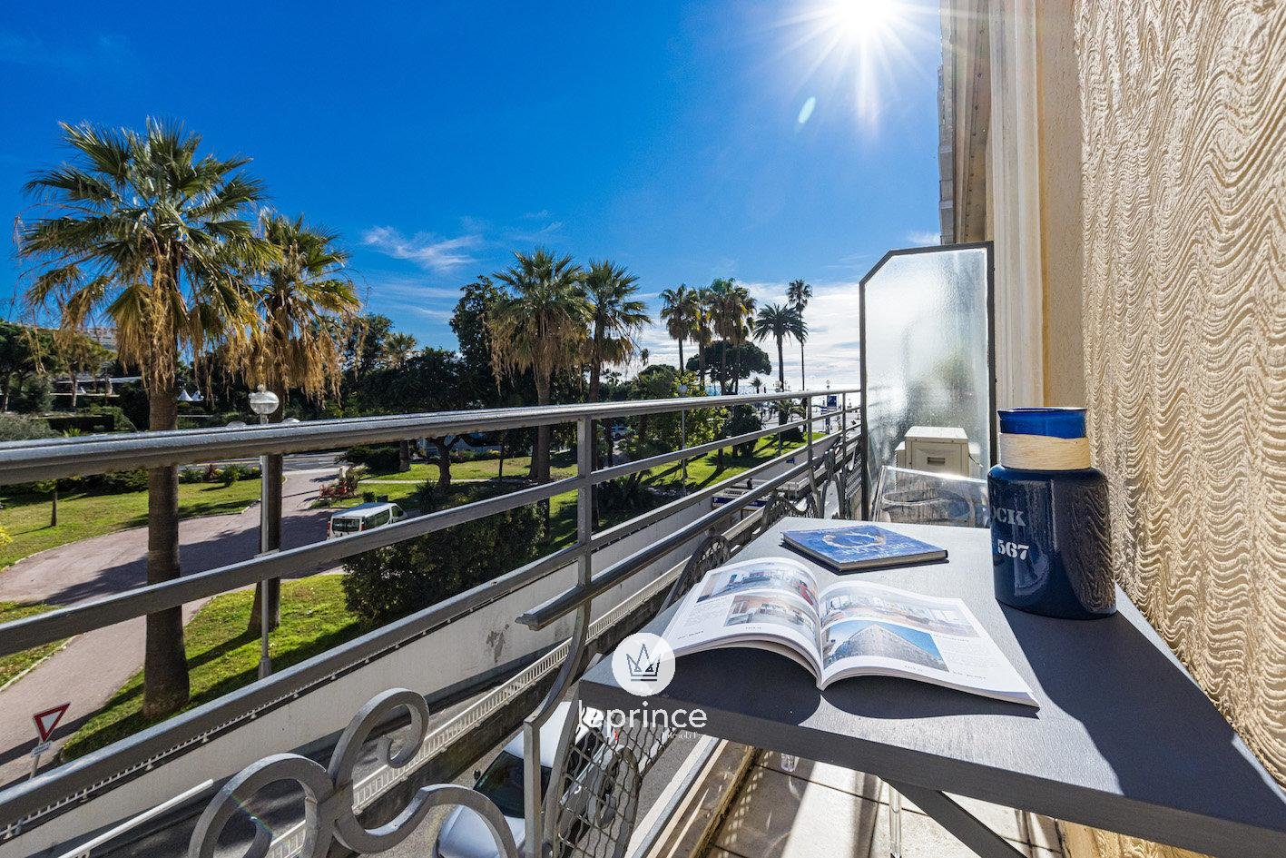 NICE CARRE d'OR / One bedroom Duplex Apartment - Balcony - Beautiful Clear View