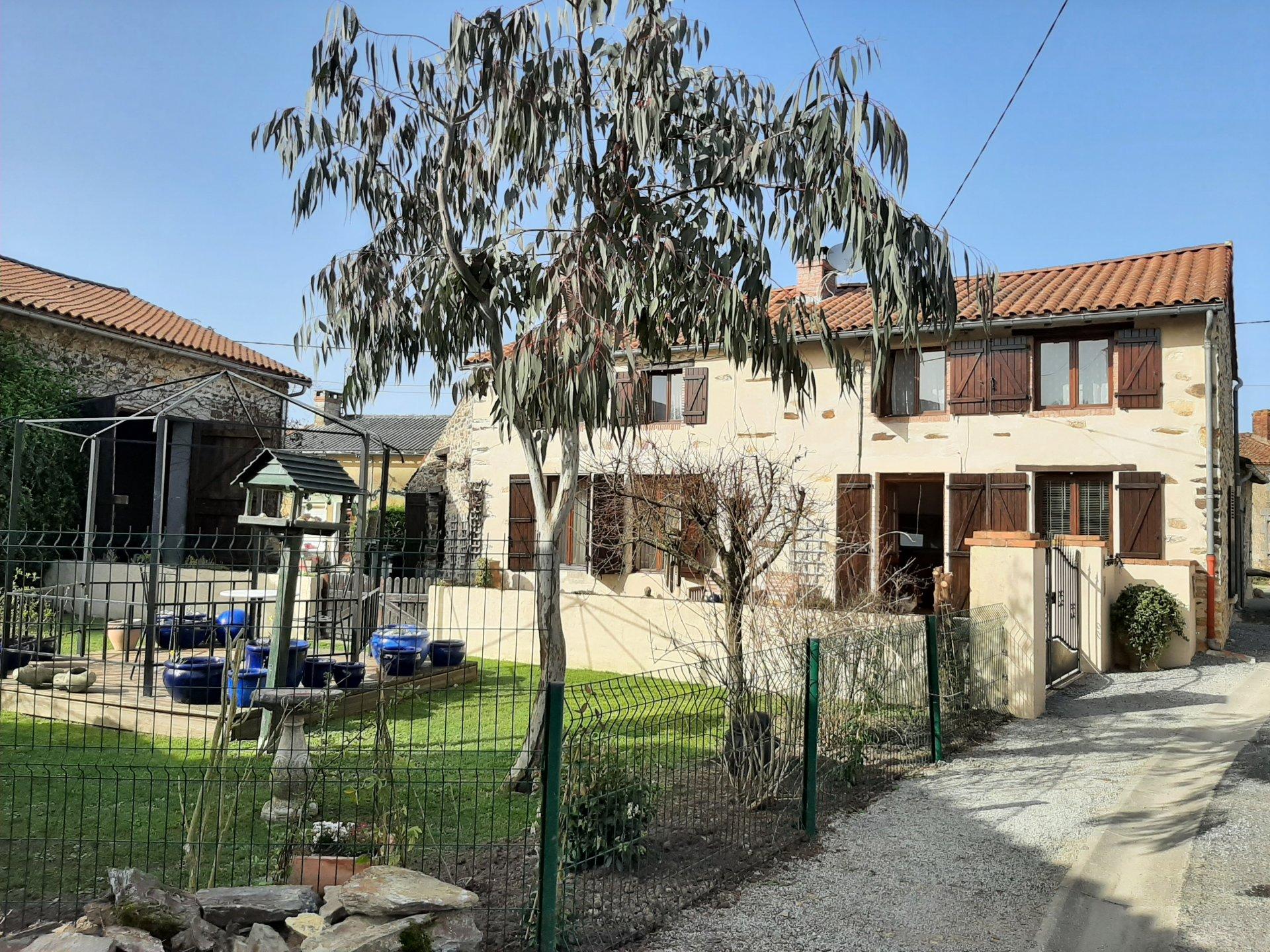 Renoviertes Haus bei Bussière-Poitevine - Haute Vienne