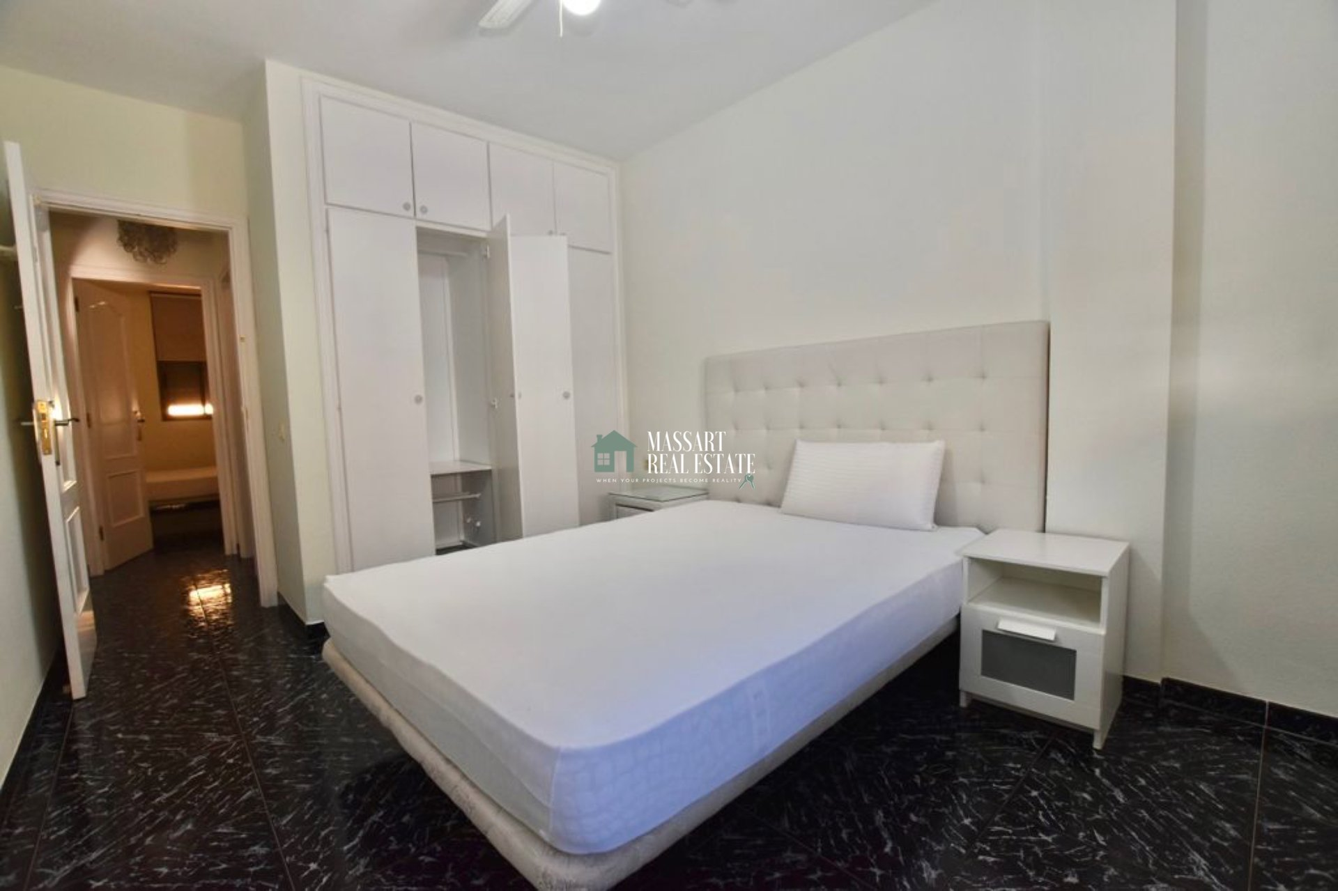 Fully furnished apartment in the beautiful coastal town of El Médano ... very close to the beach ... just 3 minutes walk!