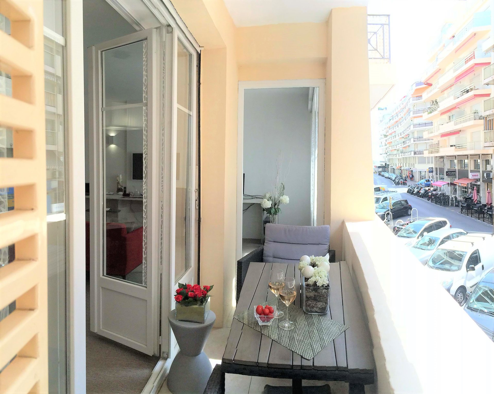 Cannes, Banane, 2 bedrooms apartment with balcony