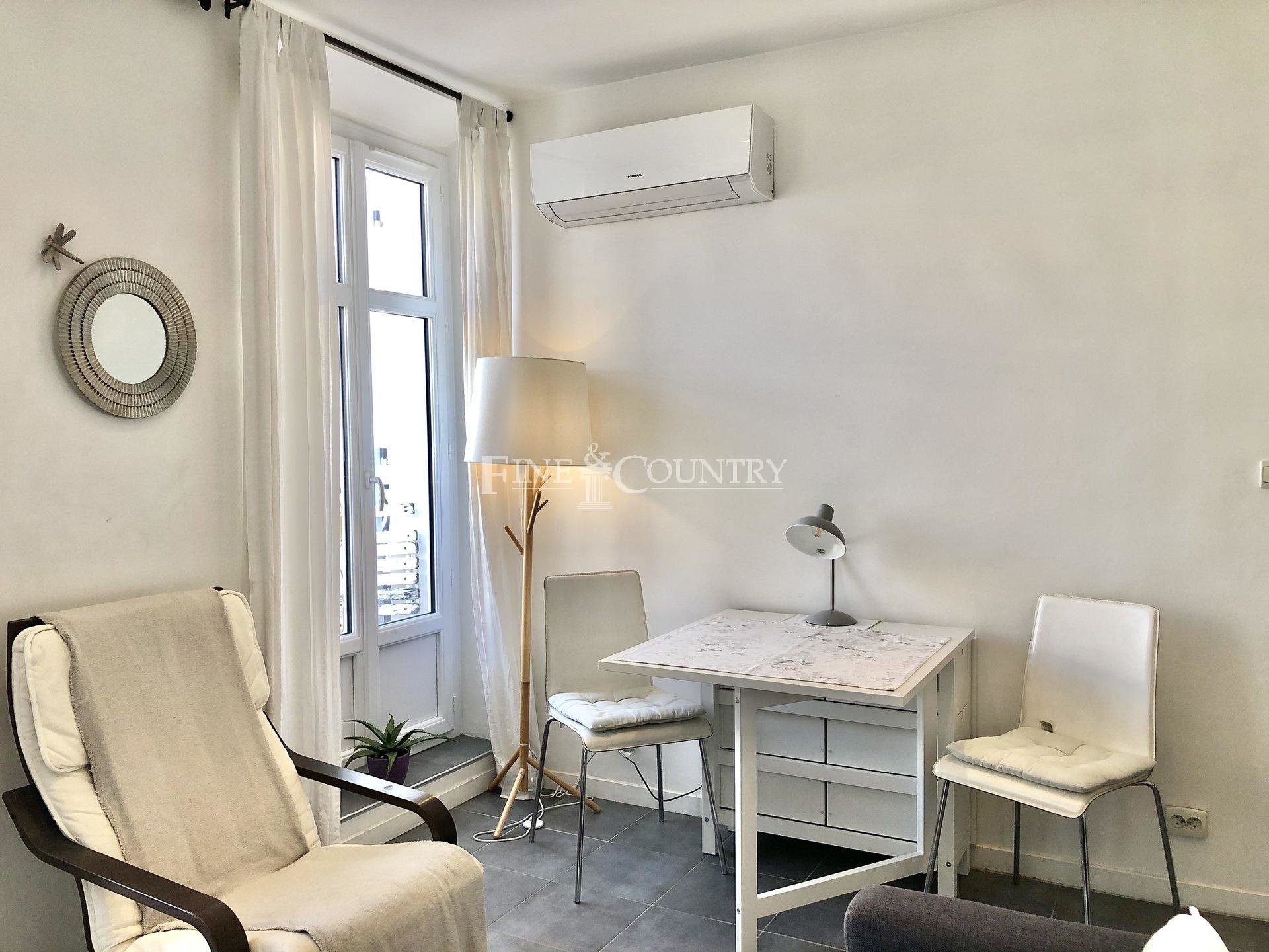 Apartment for sale in the Banane, Cannes