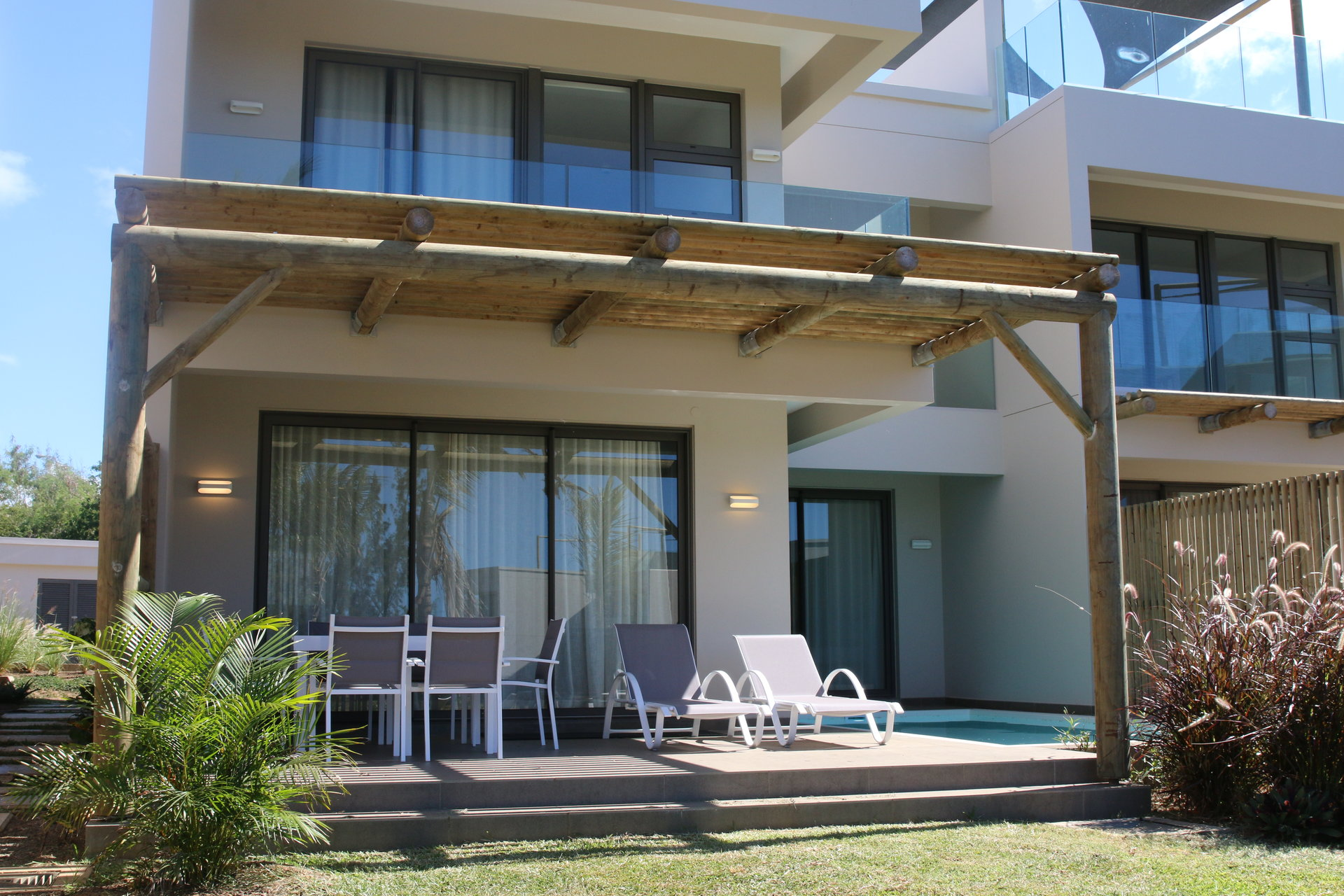 Seafront duplex of 200m2 to rent!