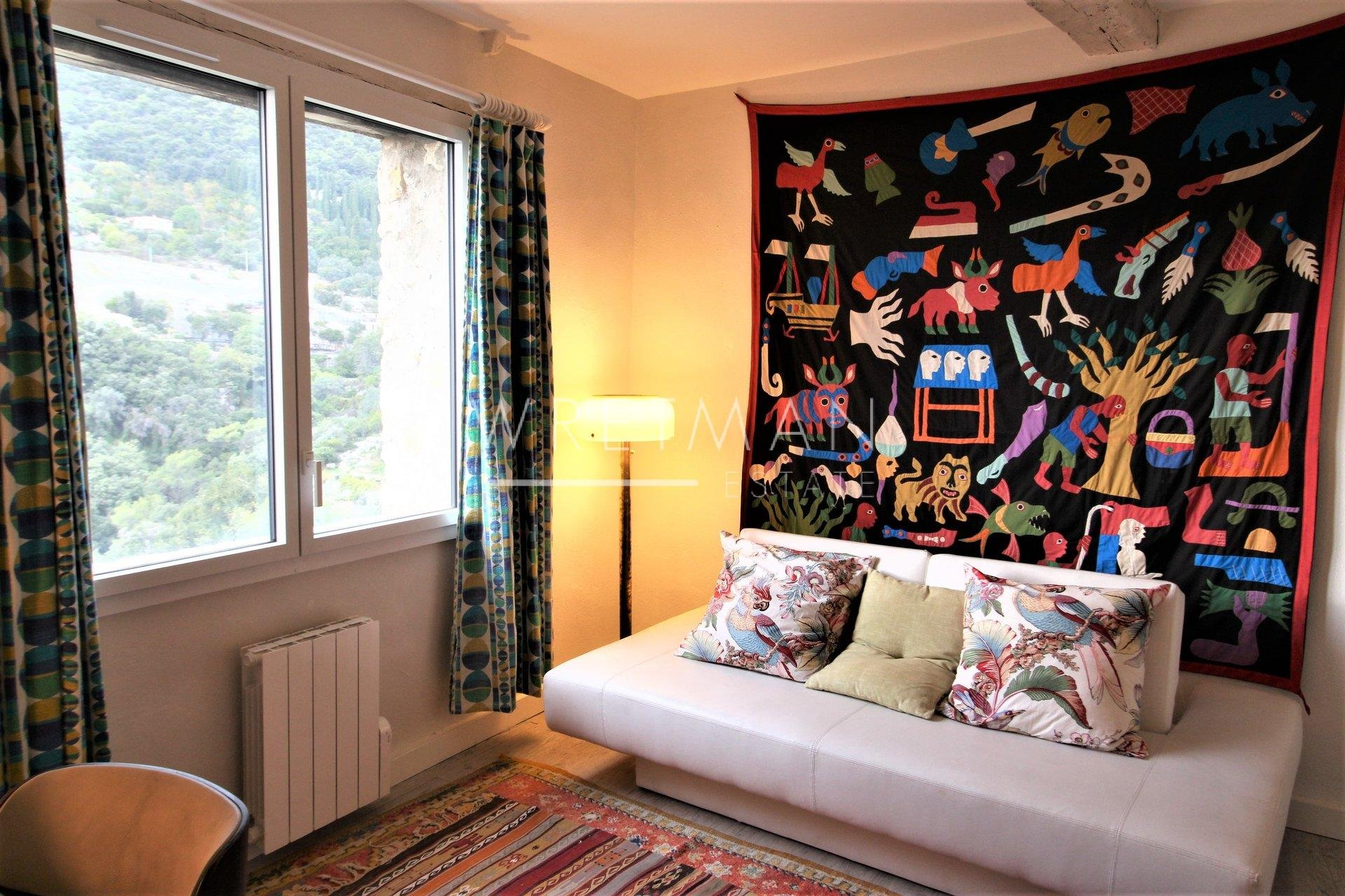 Charmig  2 sovrum bylägenhet - Tourettes-sur-Loup