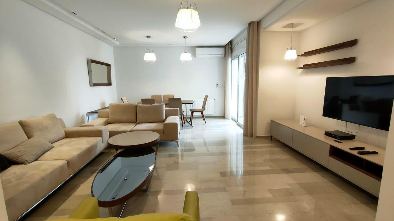 appartement salon et trois chambres richement meublé