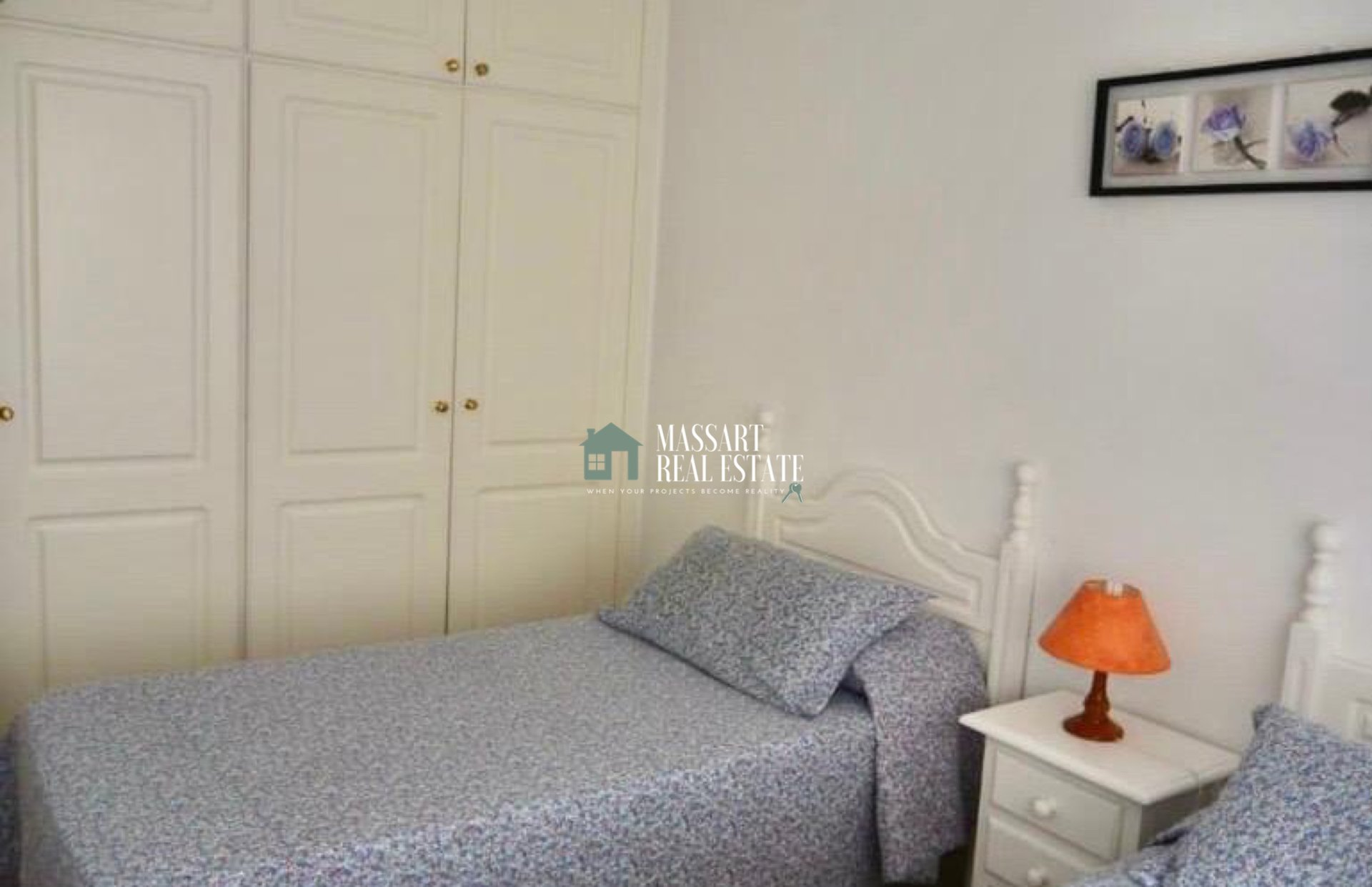 Fully furnished apartment characterized by offering a large terrace with direct views of the sea, in Puerto De Santiago.