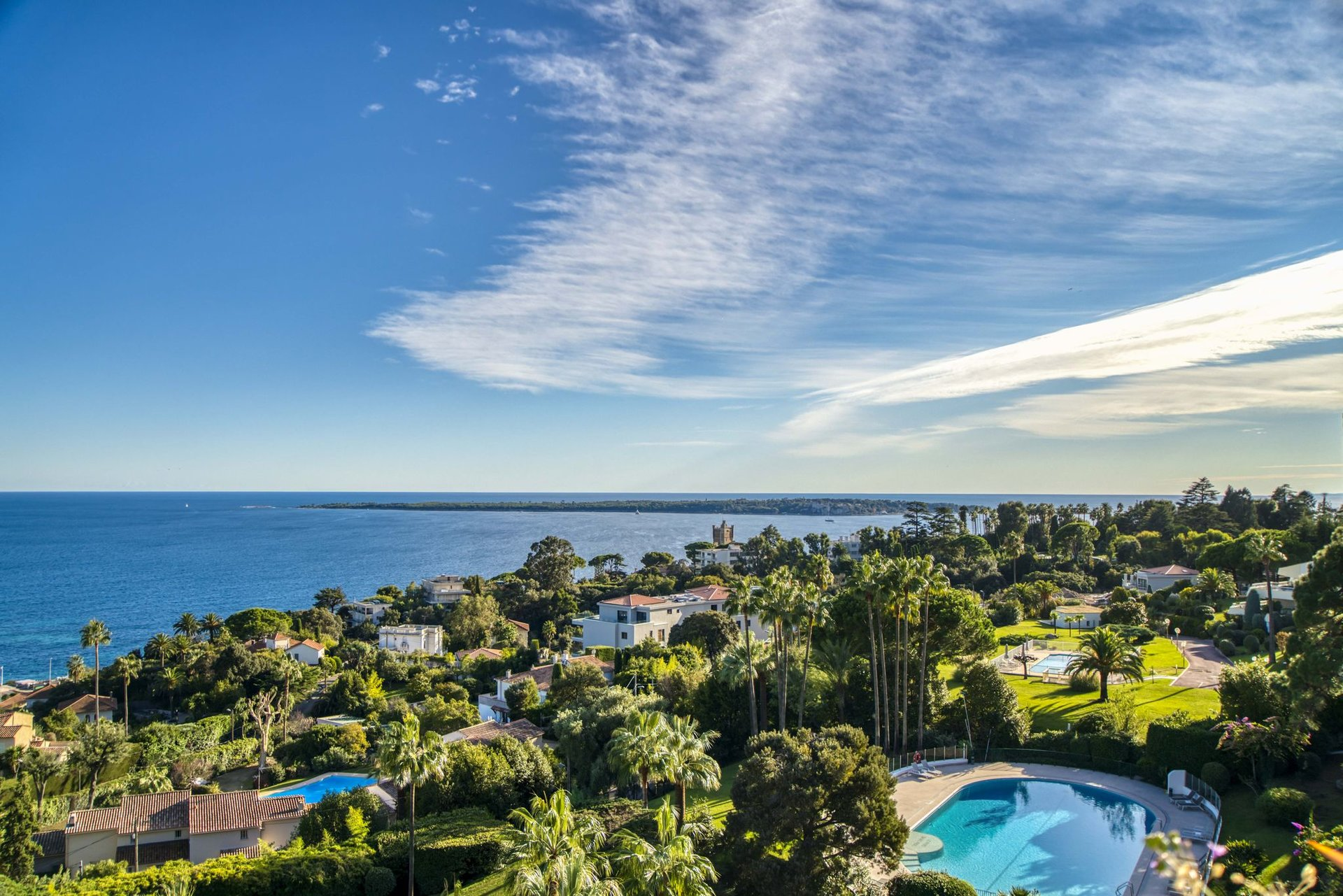 For sale - 4 room apartment with panoramic sea view - Basse Californie
