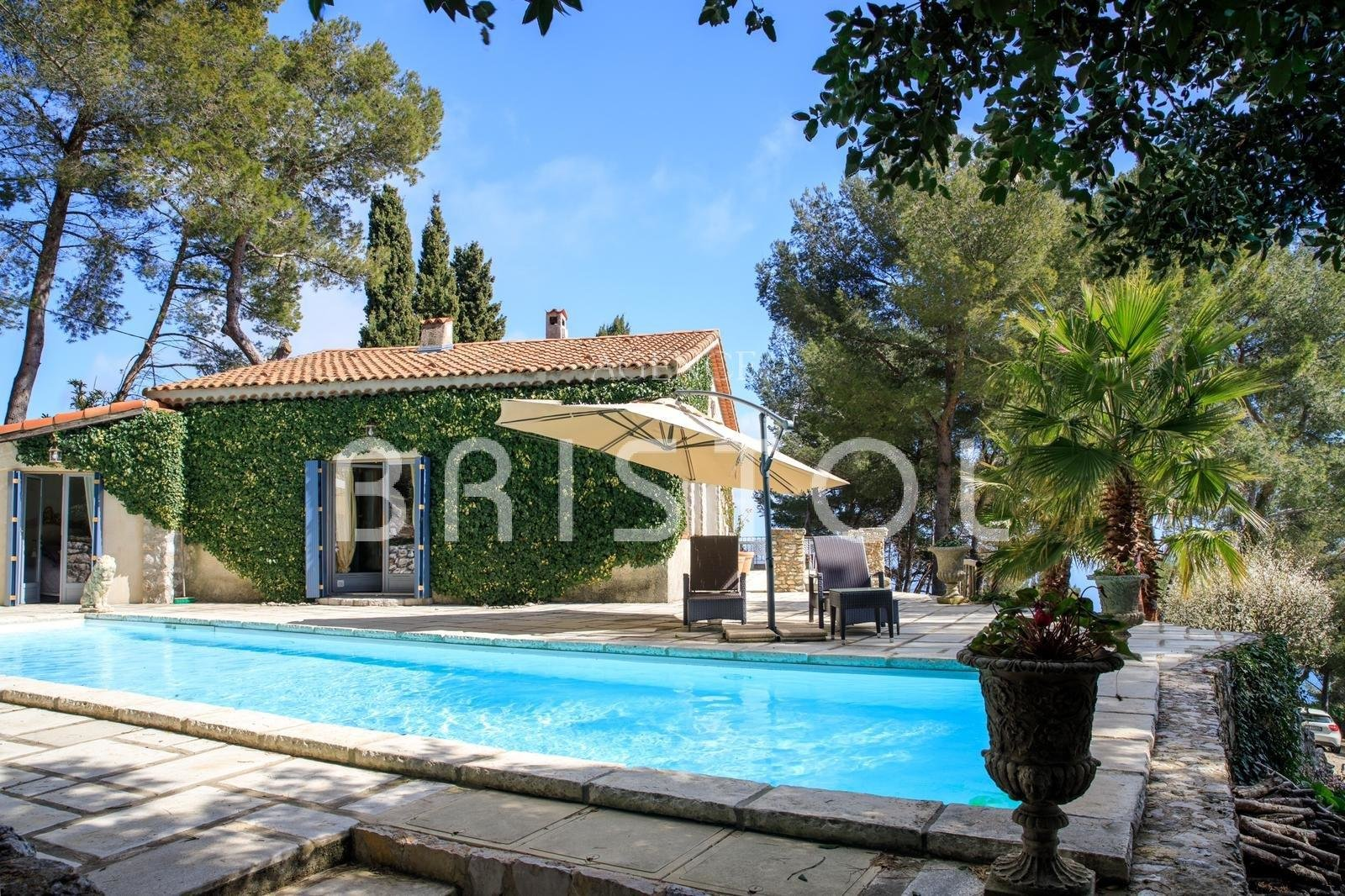 Charming provencal style house on the heights of Eze
