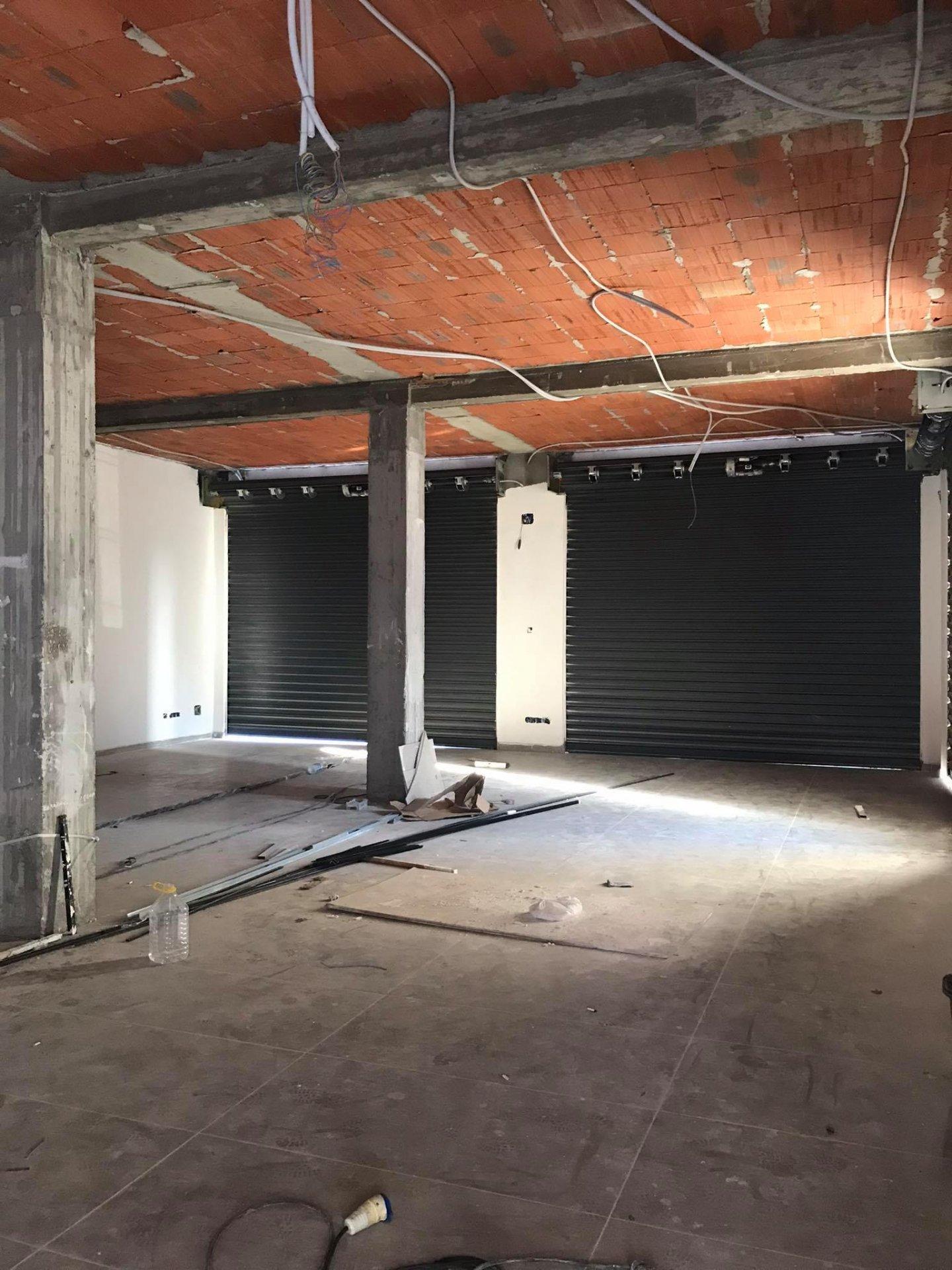 Location Immeuble de bureaux 909 m² au Lac 3