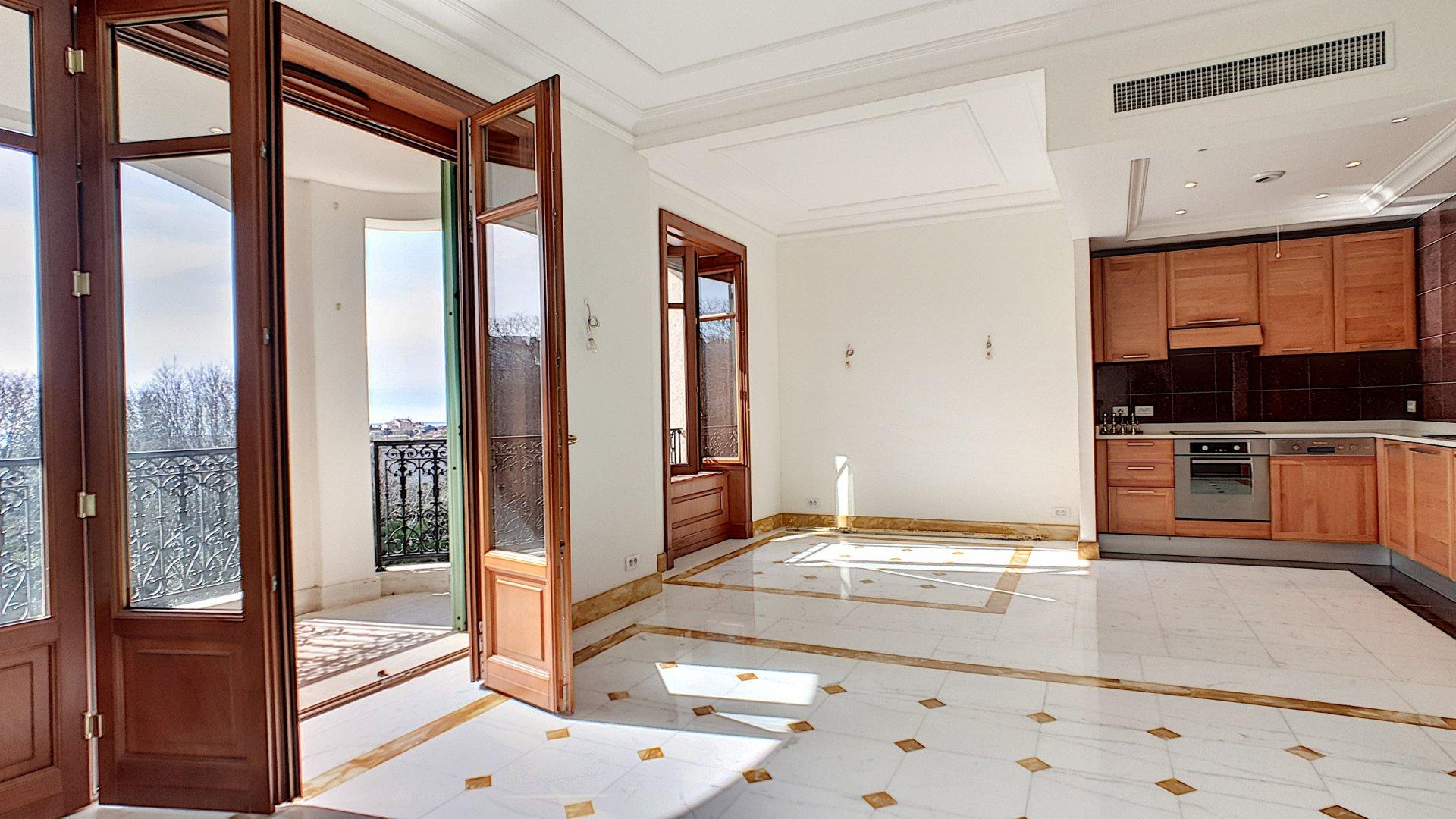 Côte d'Azur Cannes résidence de standing Duplex 4 pièces  108 m²