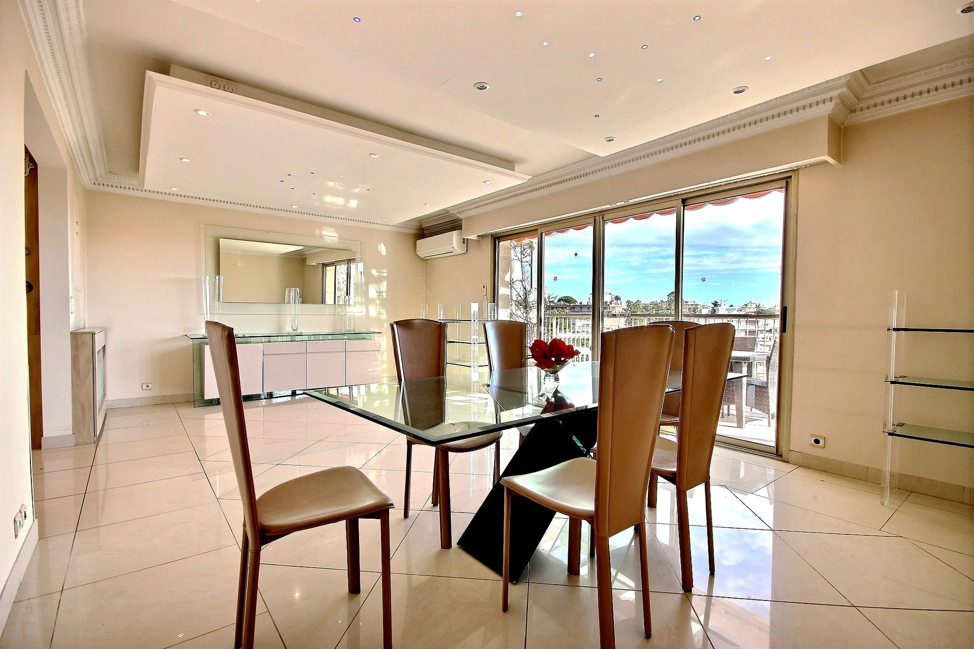 Penthouse for sale in Cannes Basse Californie