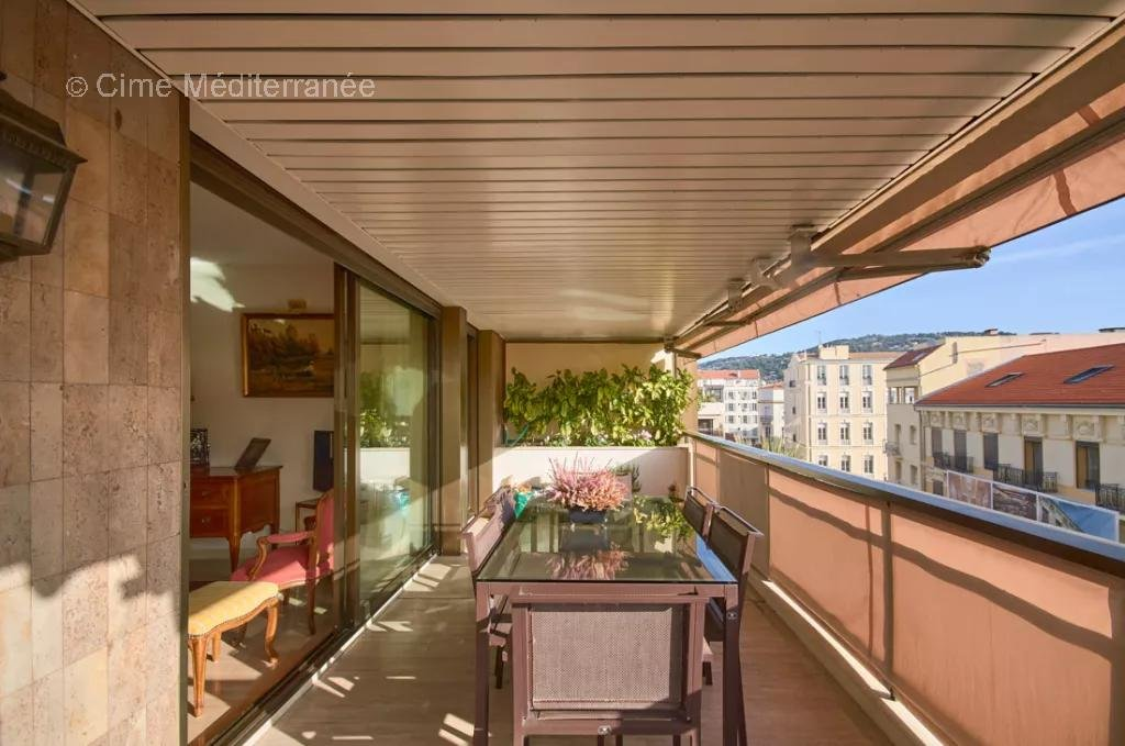 luxury apartment for sale in Cannes, Le Gray D'Albion - 2 bedroom apartment