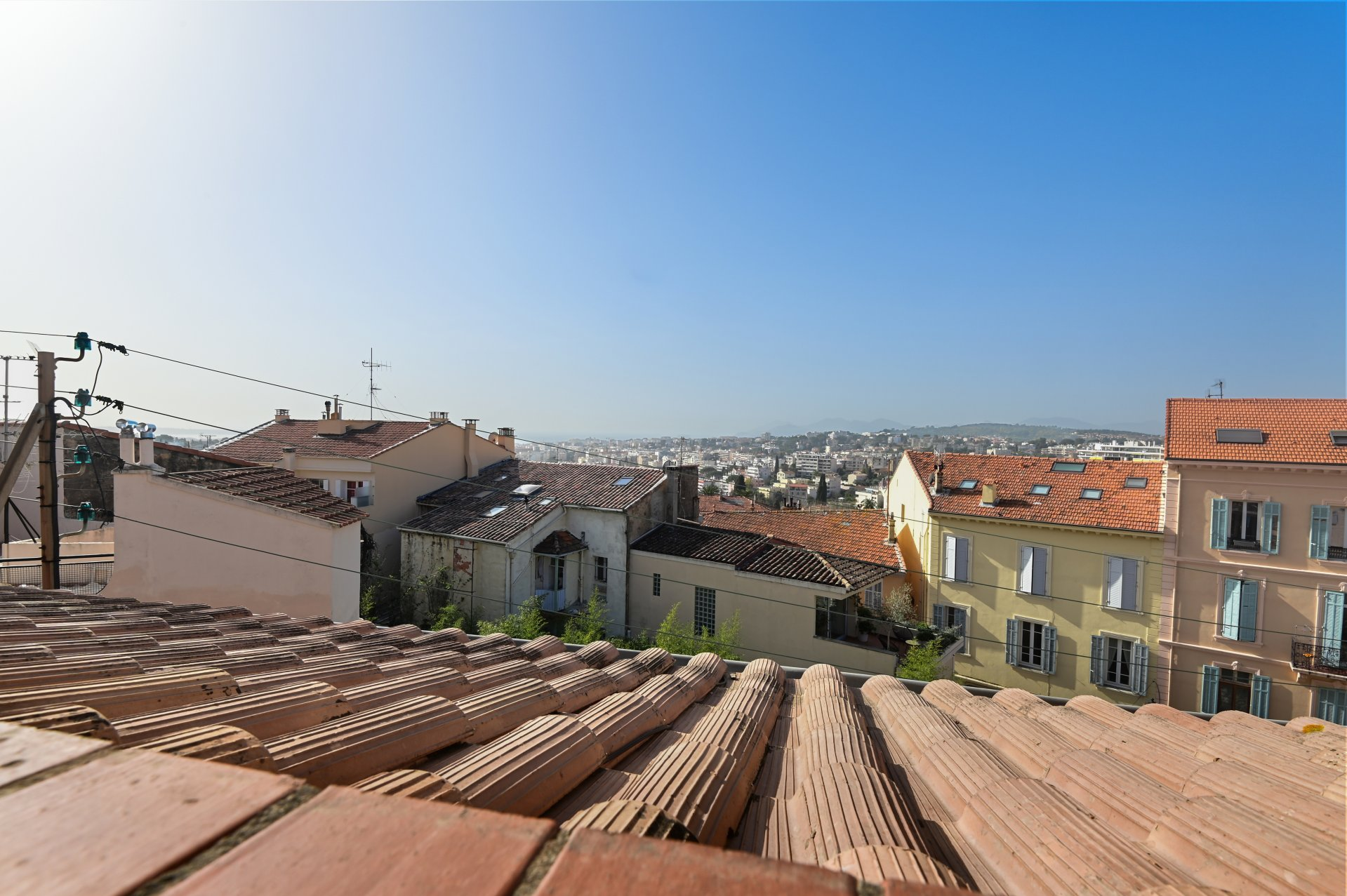 E CANNET - SOLE AGENT Charming Town House with view, balcony, in the old town