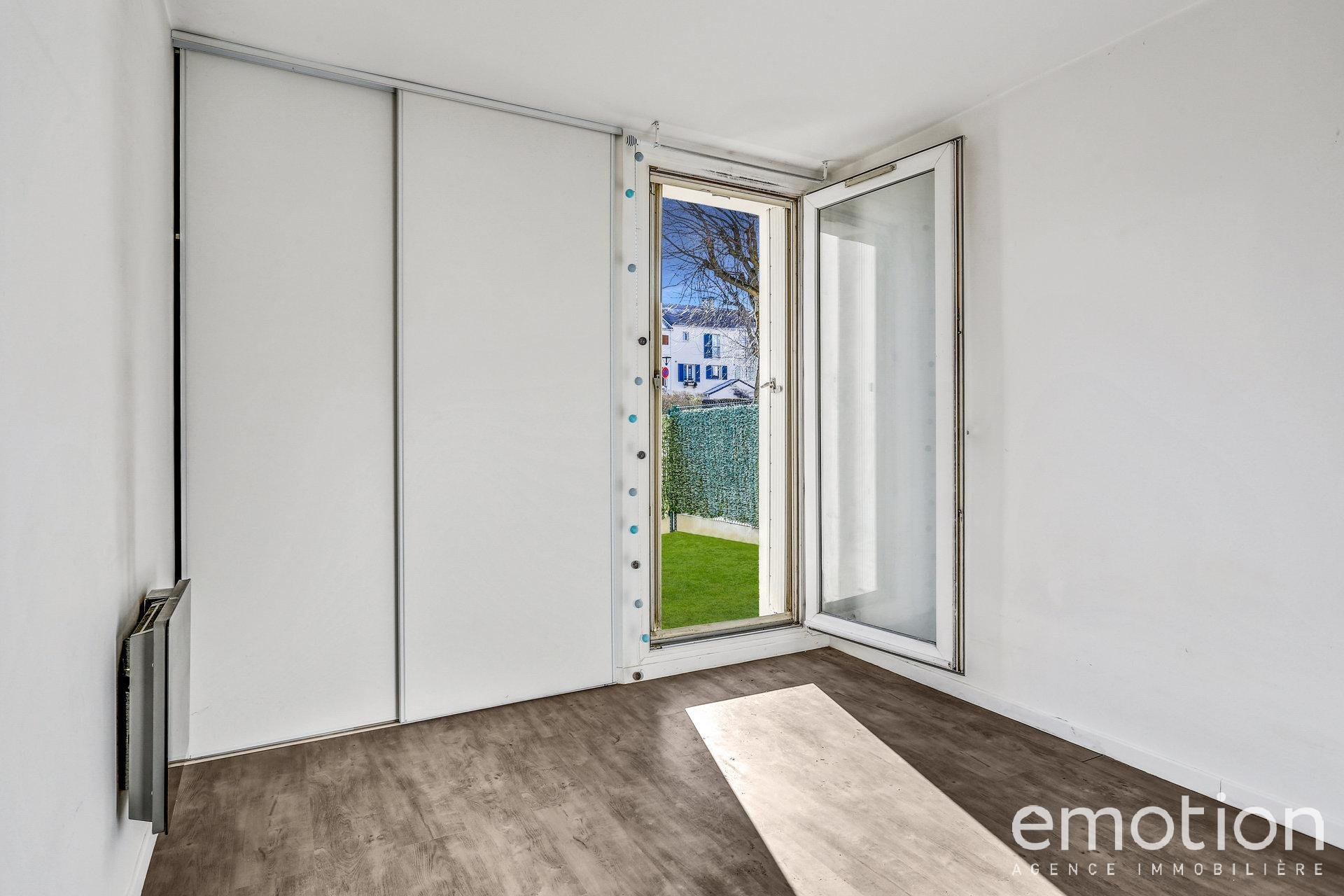 Sale Apartment - Bry-sur-Marne