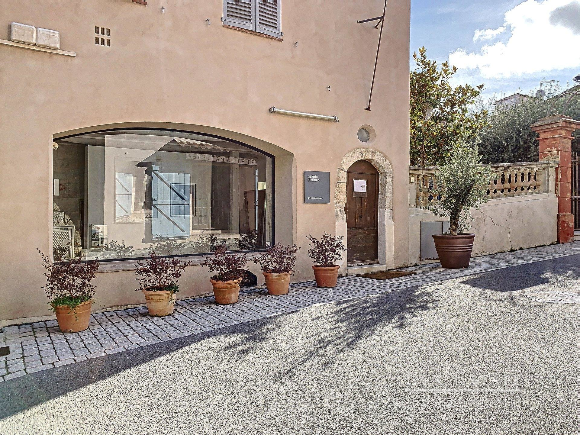 Mougins Village local 2 pieces 45 m²