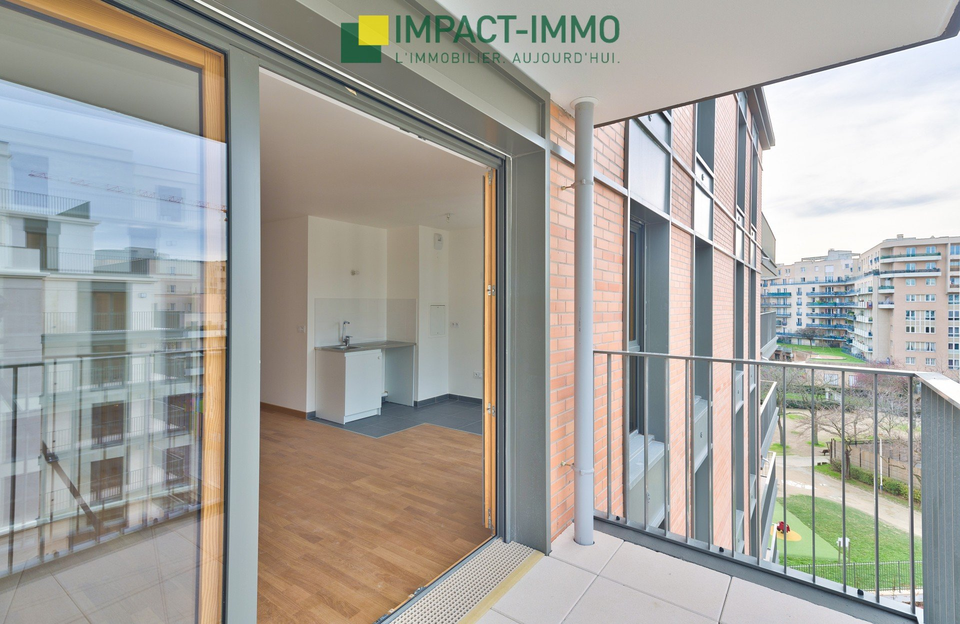 IMMEUBLE STANDING - BALCON PARKING