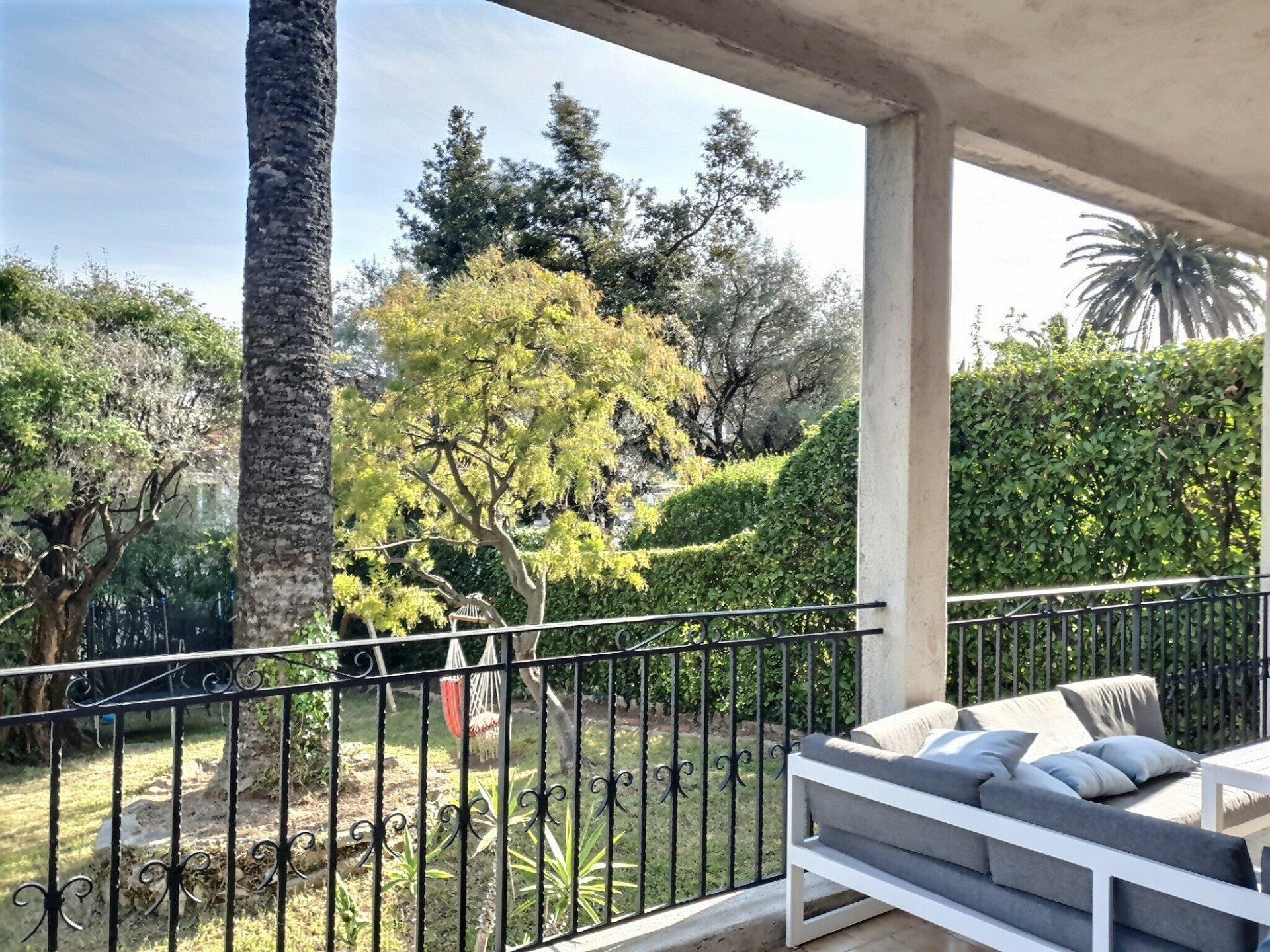 Maison Quartier Badine 100 m² environ + Terrasse et Jardin