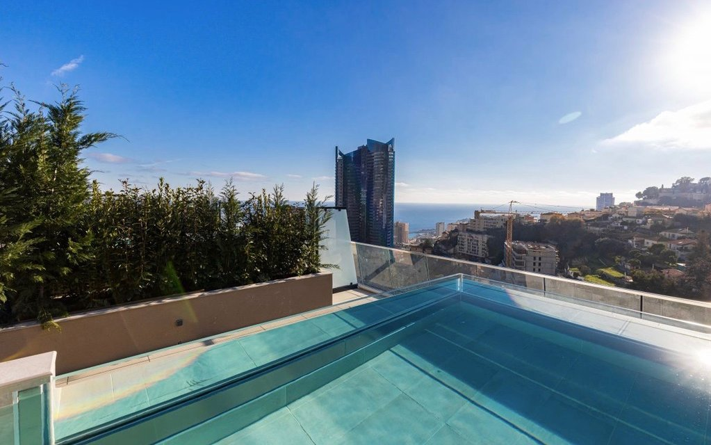 BEAUSOLEIL - French Riviera - Penthouse with sea view and private pool