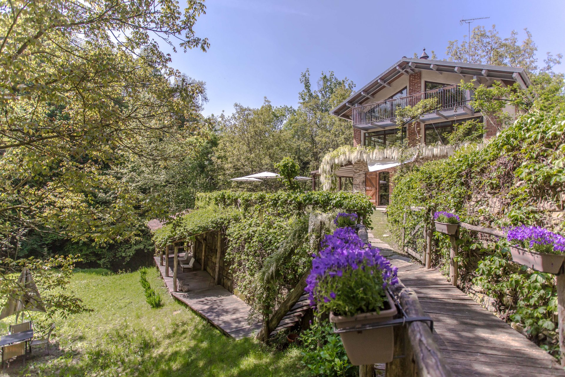 Renovated farmhouse for sale in Pagno, Piedmont
