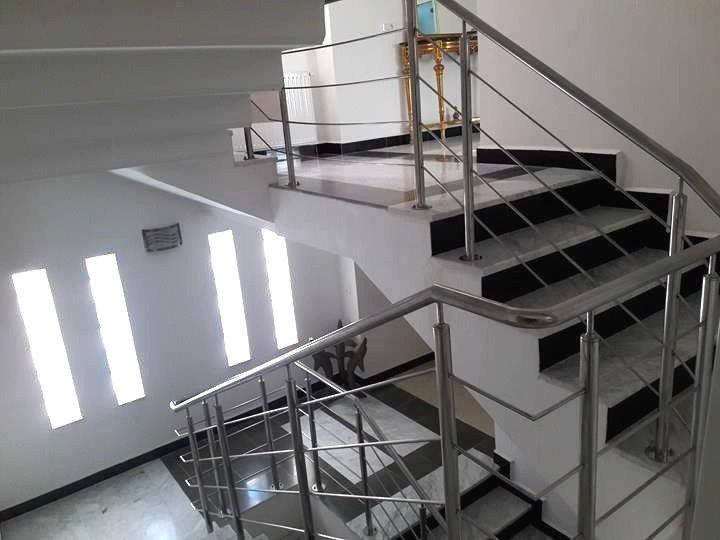 A louer un S+3 de 200 m² aux jardins de carthage avec piscine
